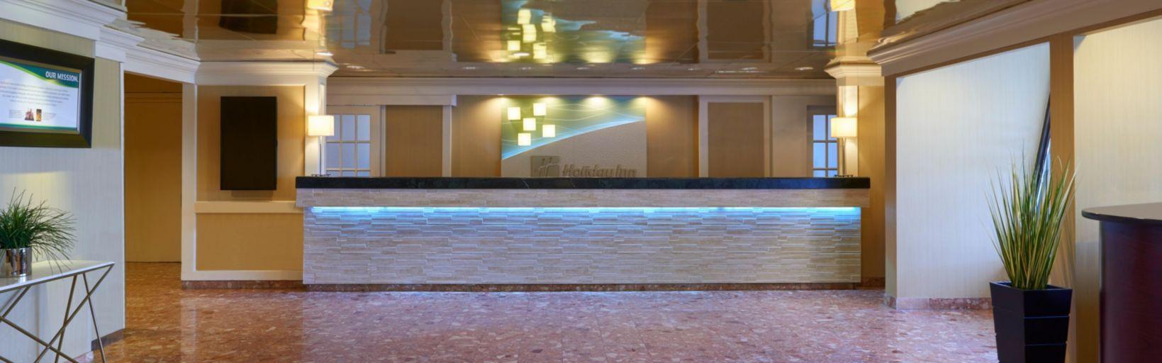 aaa hardwood flooring etobicoke of holiday inn toronto yorkdale hotel by ihg pertaining to toronto hotel front desk at holiday inn toronto yorkdale