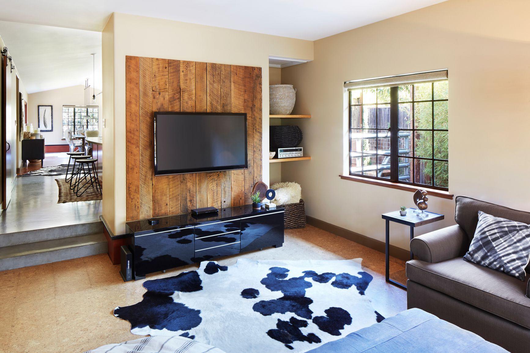 asu 15 hardwood flooring underlayment felt paper of drywall alternatives unique wall coverings throughout stocksy txp6d0c504b95p100 medium 1662581 5a6f81ef8023b900372d1b4f