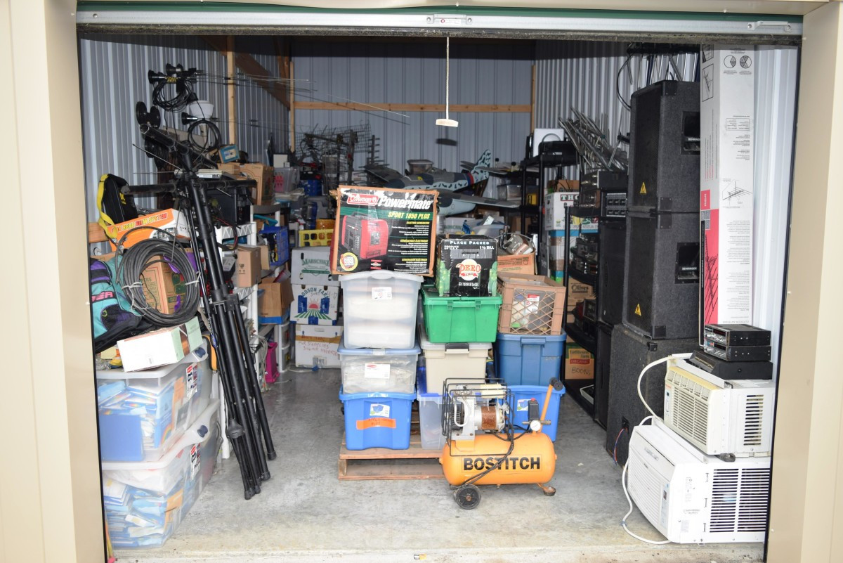 bostitch 2 in 1 hardwood flooring jack of storage unit auction 617386 elkhart in storagetreasures com intended for hover or click
