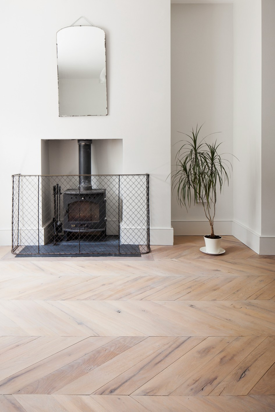 Bruce Hardwood Flooring Spice Of Blog Archives the New Reclaimed Flooring Companythe New Throughout Resawn Chevron Oak
