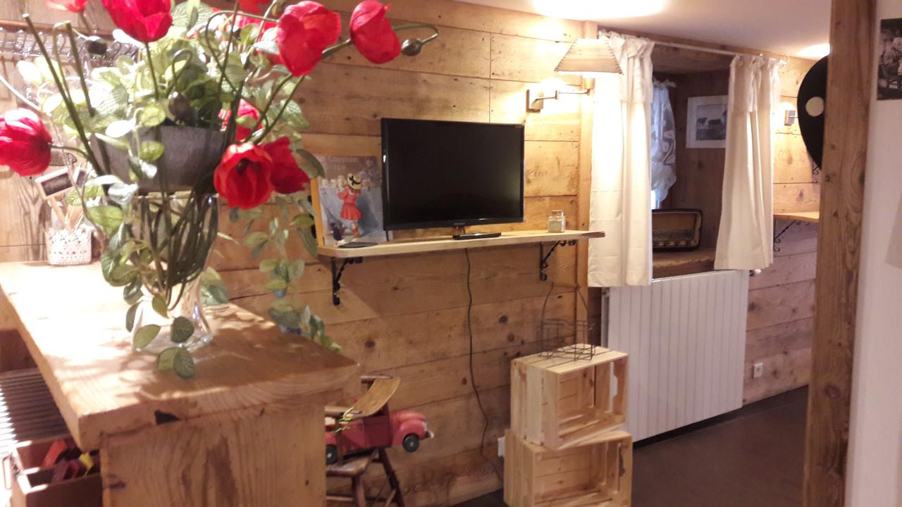 bsl hardwood floors canada of le gate cosy kaysersberg france booking com for 113193383