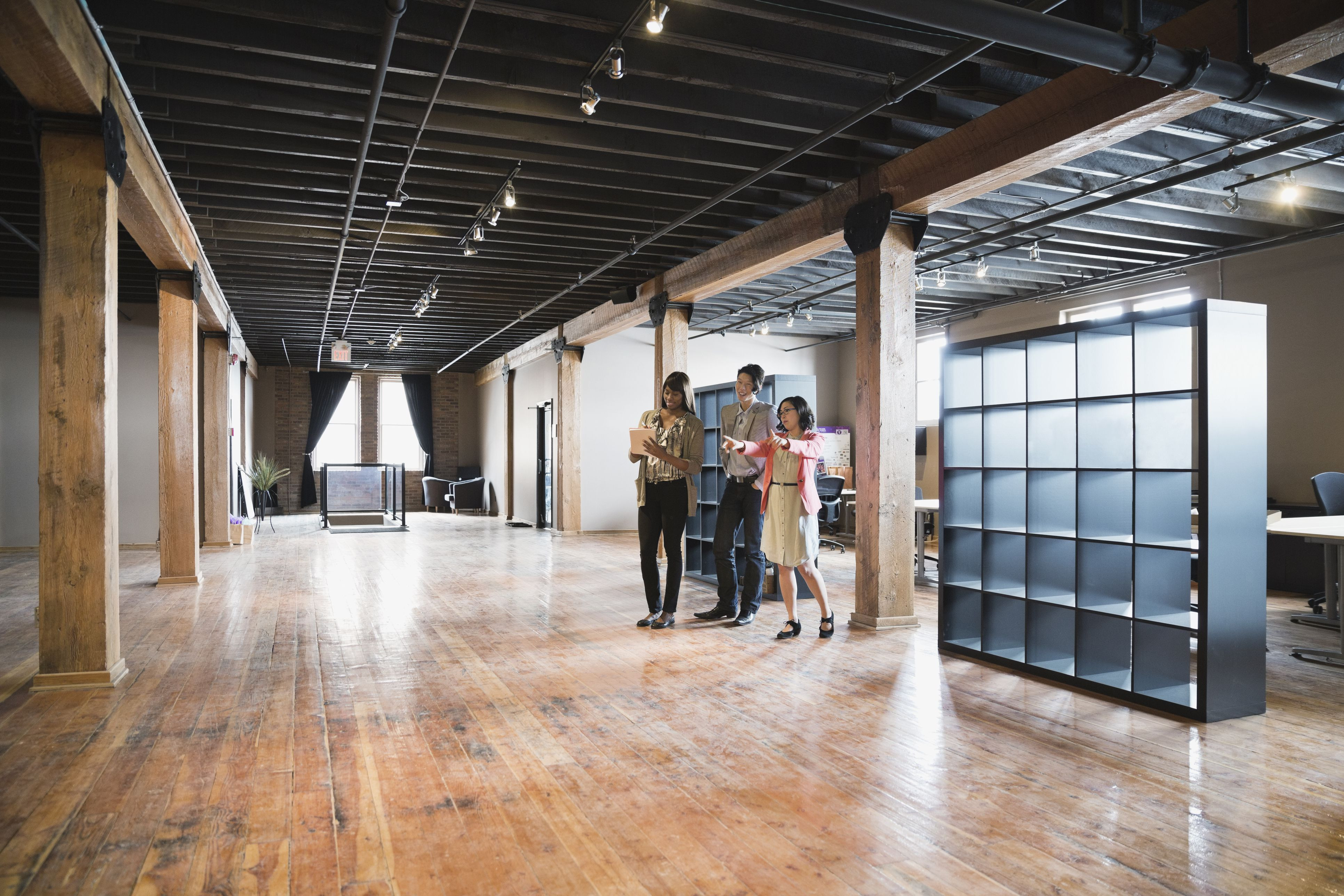 cost of hardwood floors for 2000 sq ft of calculate commercial leases with square feet formulas throughout entrepreneurs looking at creative office space 175138263 578e68cf3df78c09e947ec60