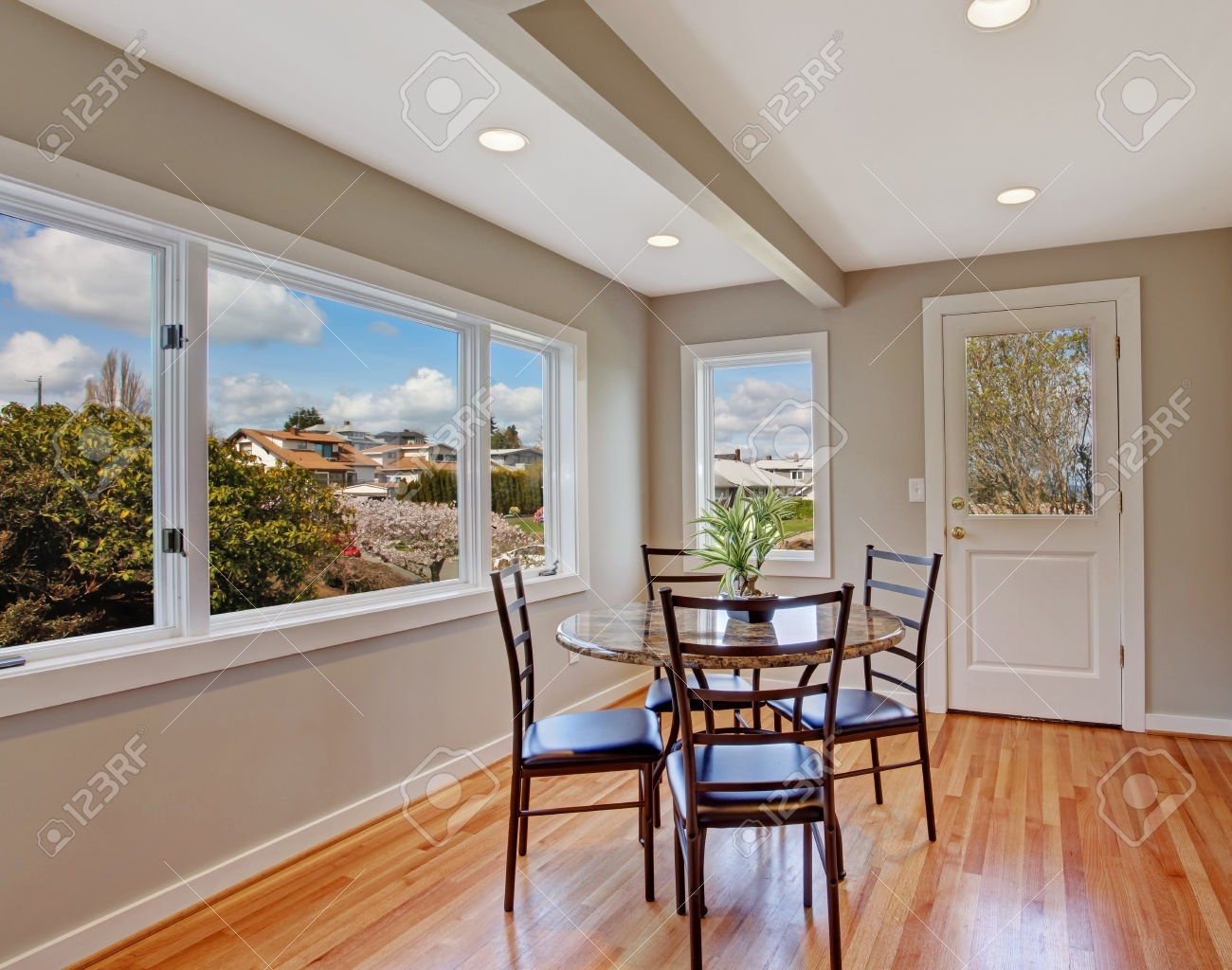 25 Recommended Dark Hardwood Floors With White Trim