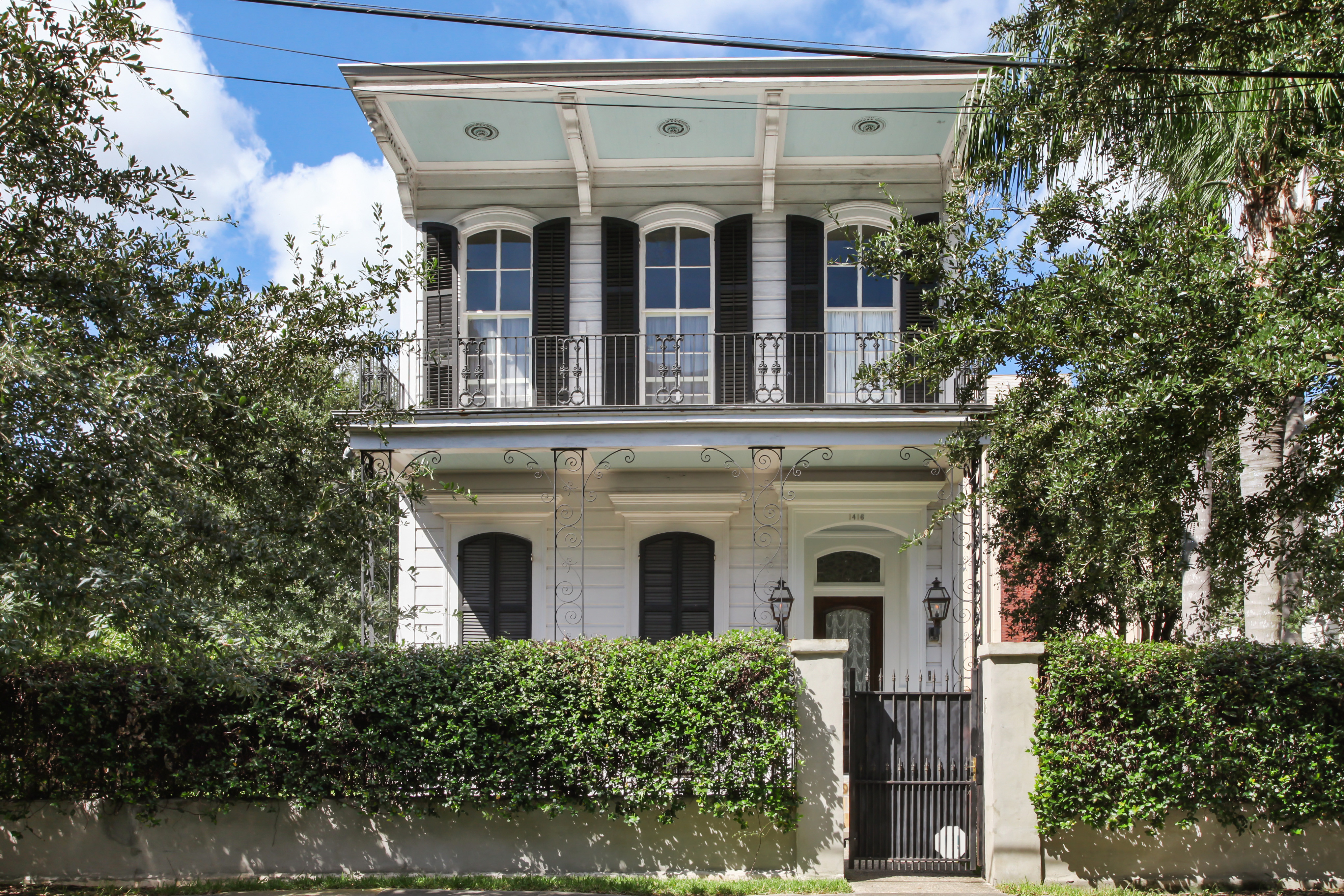 discount hardwood flooring 1416 channing of new orleans homes neighborhoods architecture and real estate for you can own this double gallery victorian for a cool 1m