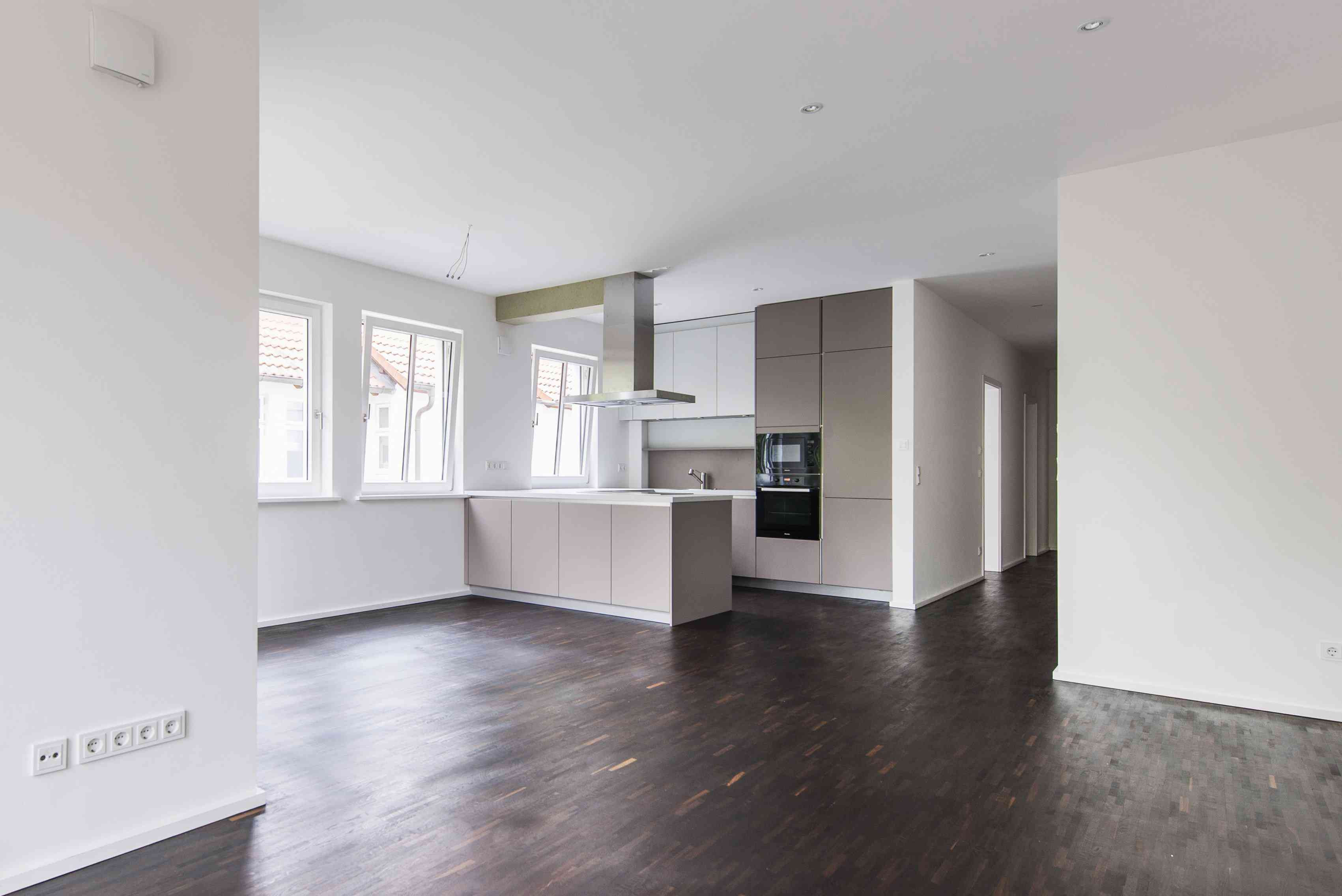 distressed hardwood flooring prices of gorgeous kitchens with wooden flooring throughout very dark wood floor in kitchen 540797801 arnt haug look foto 56a4a1683df78cf77283536f