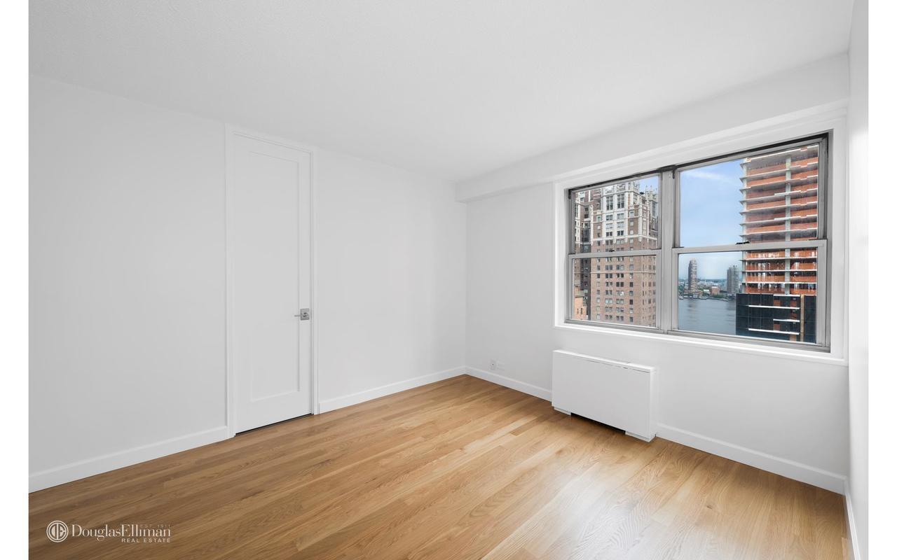 gray hardwood floors bedroom of the churchill 19d inside 300 east 40th street 19d bedroom jpg