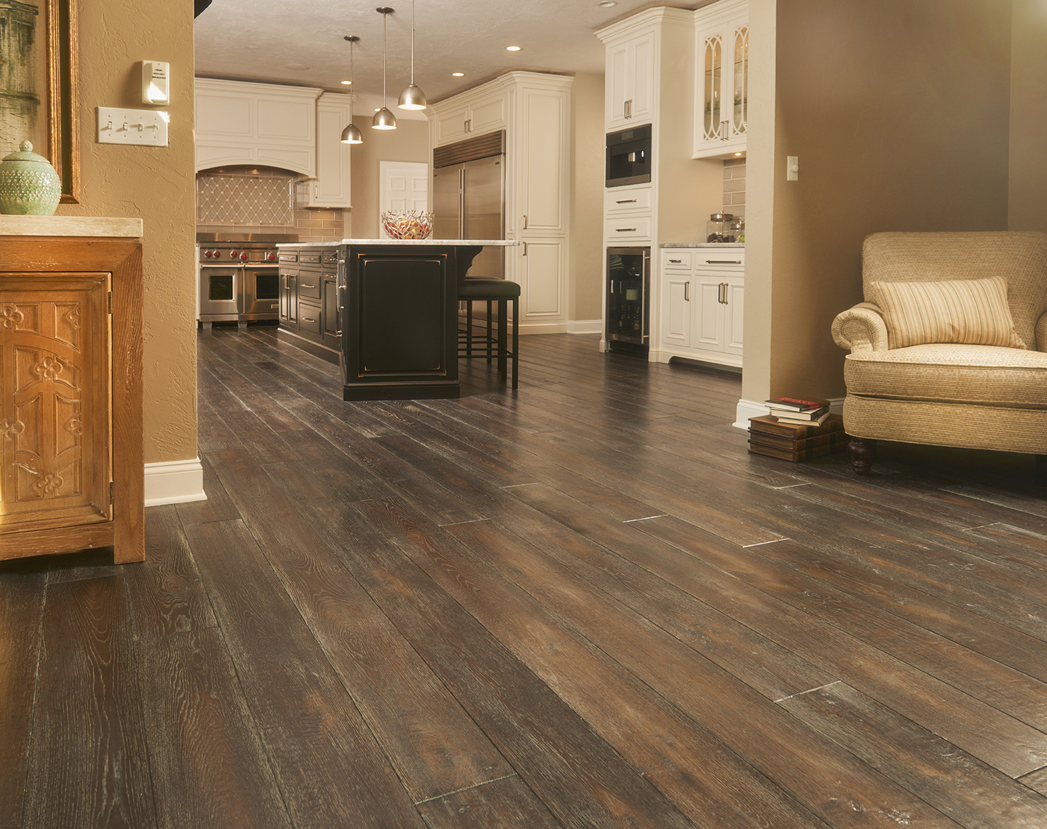 hand scraped hardwood flooring of traditional living handscraped oak laminate reviews 0060474314014 a in western pa traditional home peachey hardwood flooring