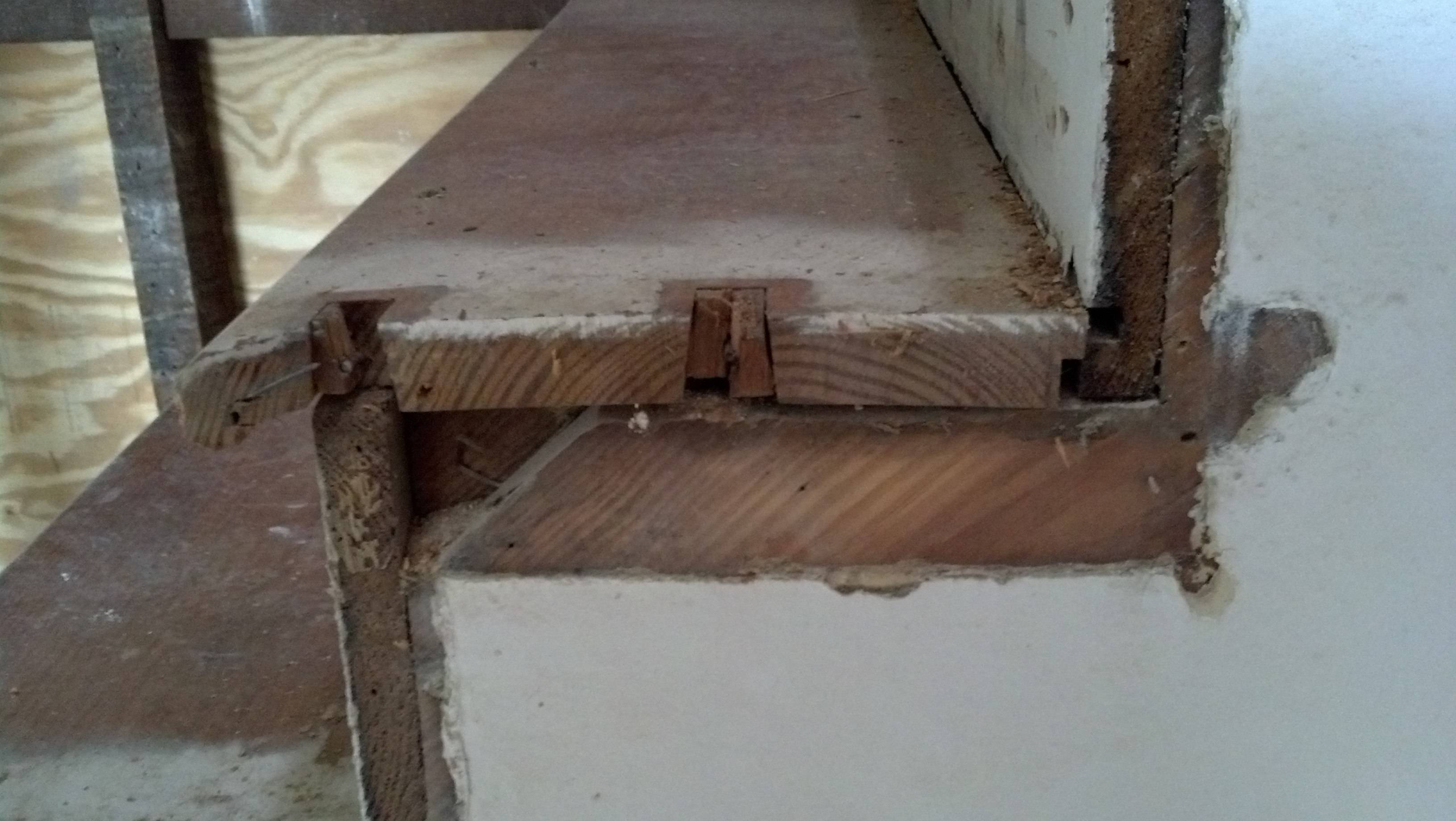 hardwood floor around stairs of how should stair treads and risers be assembled home improvement throughout see picture enter image description here