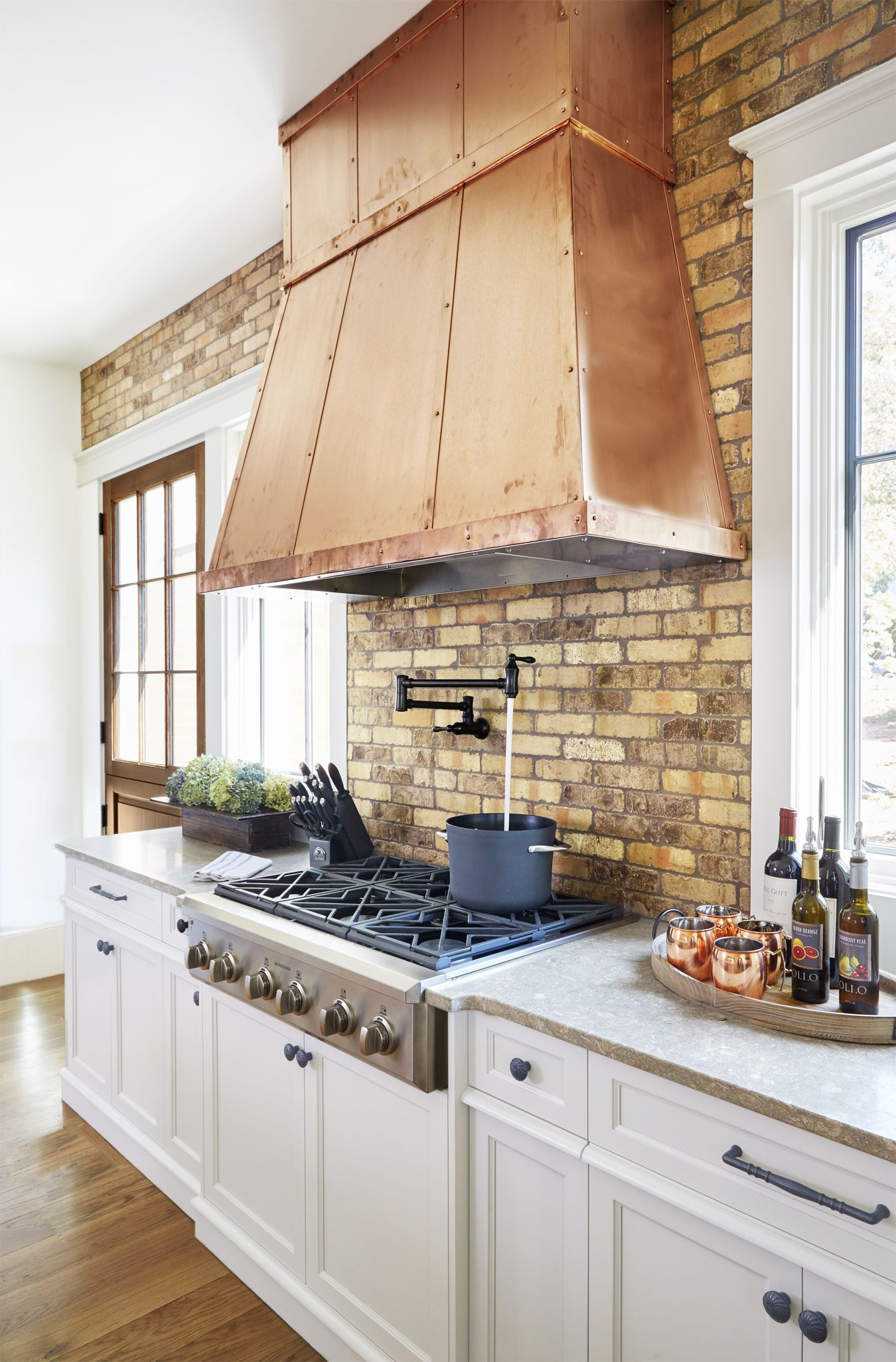 hardwood floor color trends 2016 of 8 gorgeous kitchen trends that will be huge in 2018 intended for 1483474621 kitchen reinvention metal hood 0117