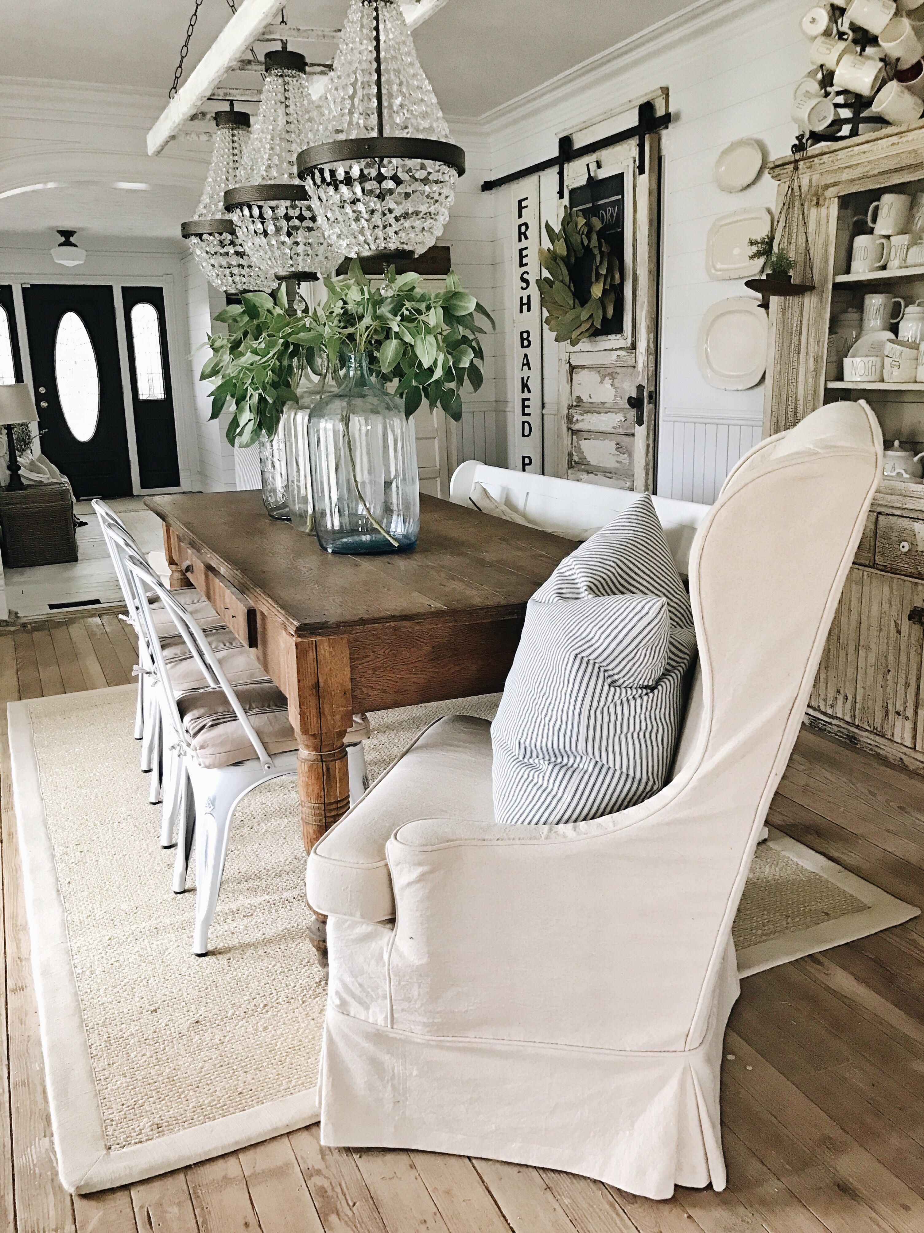hardwood floor decorating ideas of inspirational dining room decor ideas pinterest levitrainformacion com with dining room decor ideas pinterest 8 fetching farmhouse dining room chandelier at dining room chandelier
