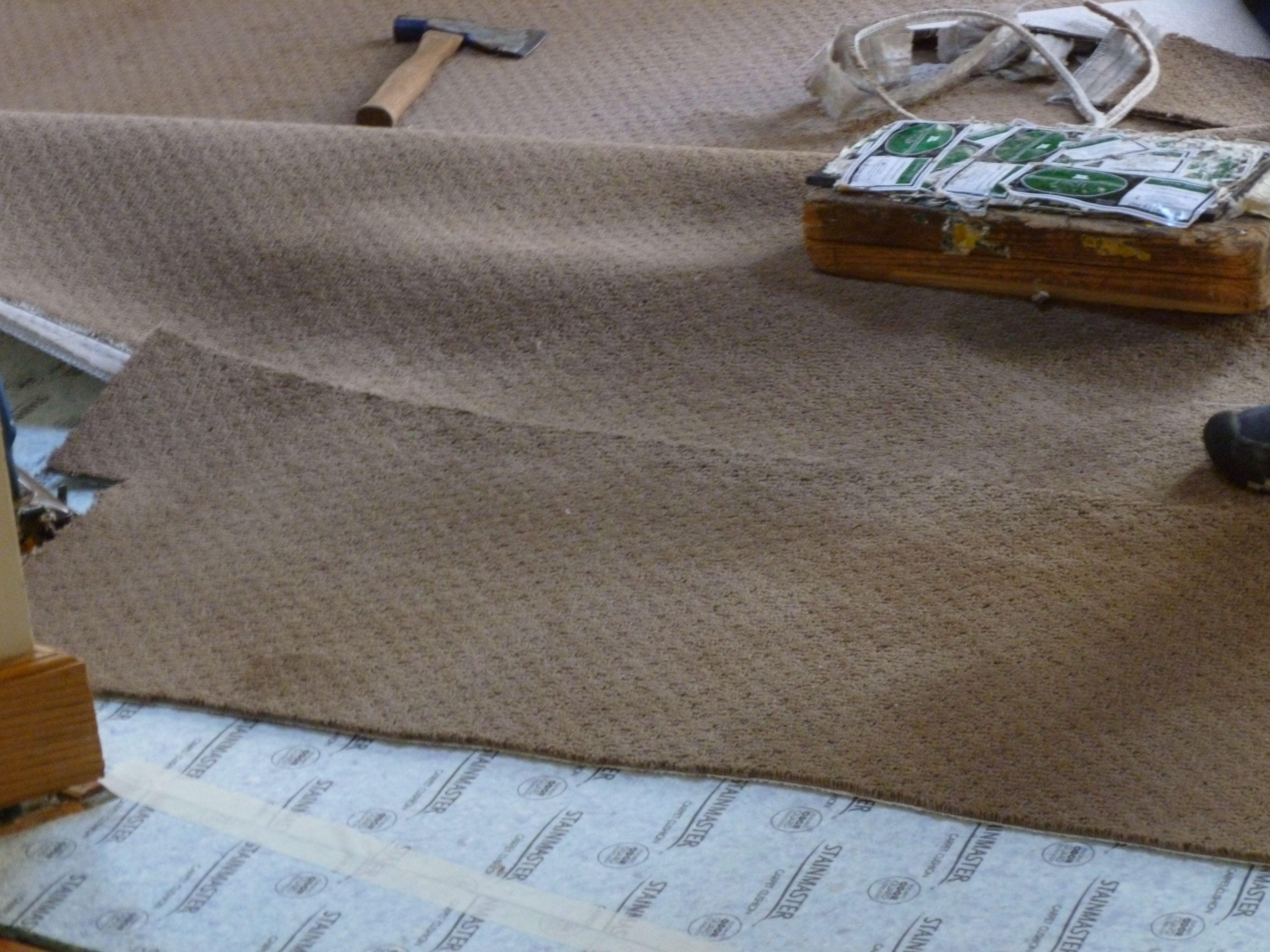 hardwood floor direction hallway of how to cut and glue carpet seams throughout 3 56a2fd3b3df78cf7727b6c43 jpg