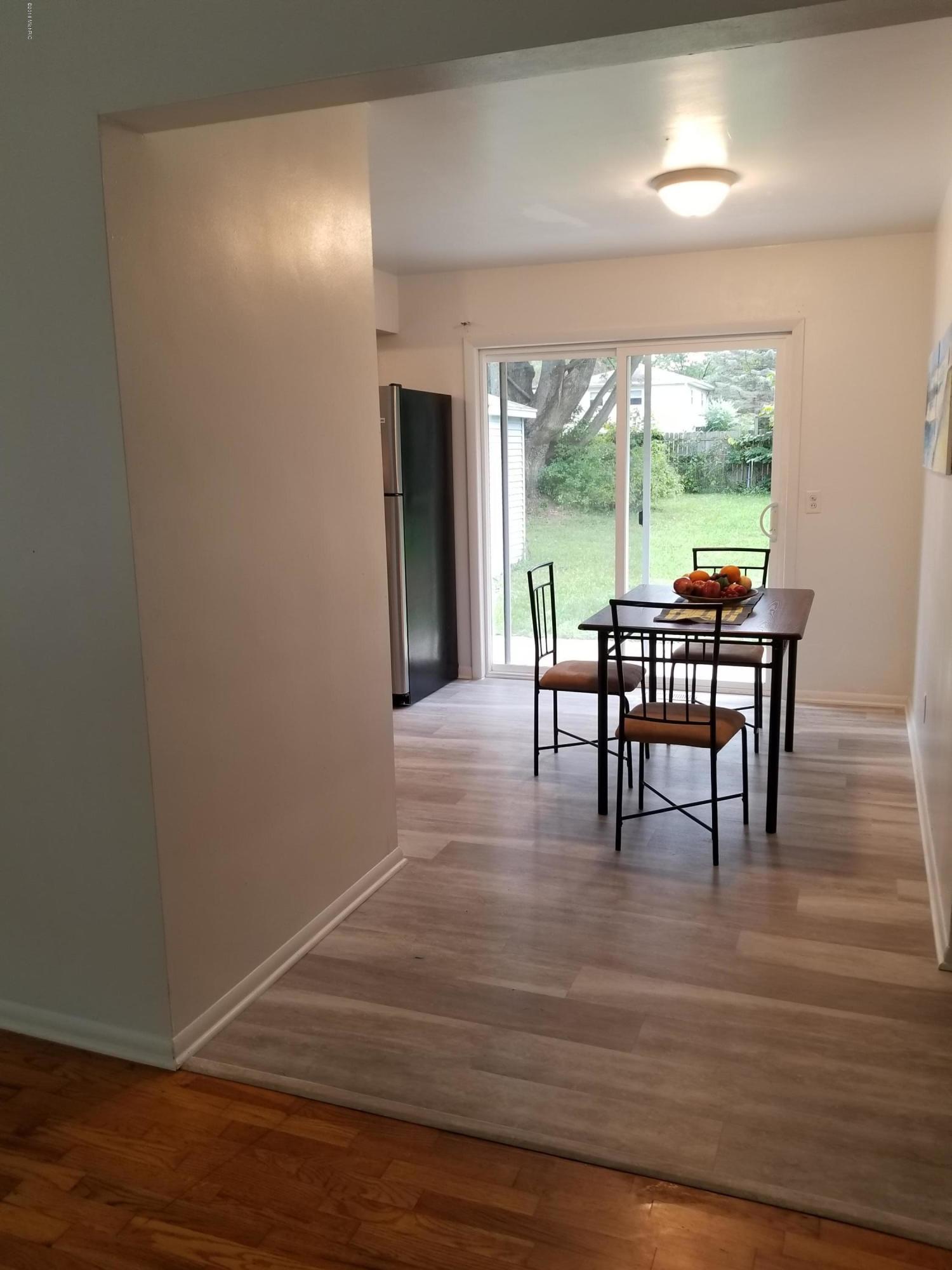 hardwood floor installation kalamazoo of 2508 cumberland street kalamazoo mi 49006 mls 18049244 inside 2508 cumberland street kalamazoo mi 49006