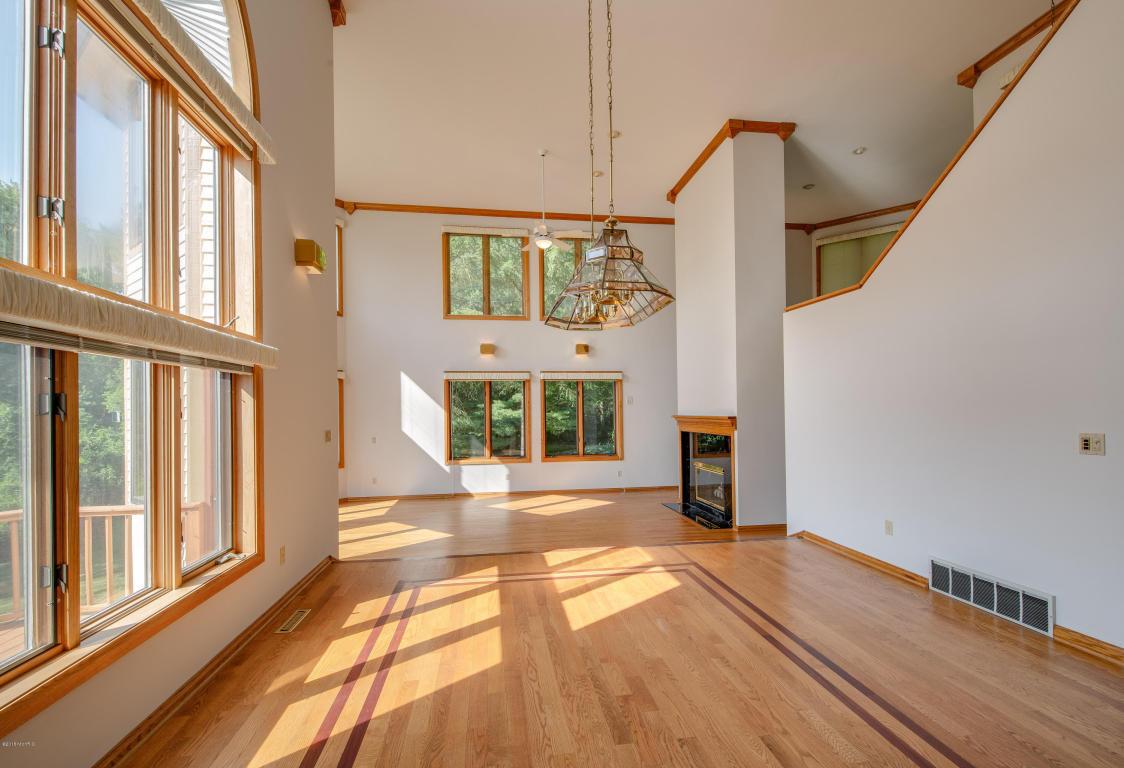 hardwood floor installation kalamazoo of 425 springwood drive kalamazoo 49009 mls 18035620 jaqua realtors for 425 springwood drive kalamazoo mi 49009