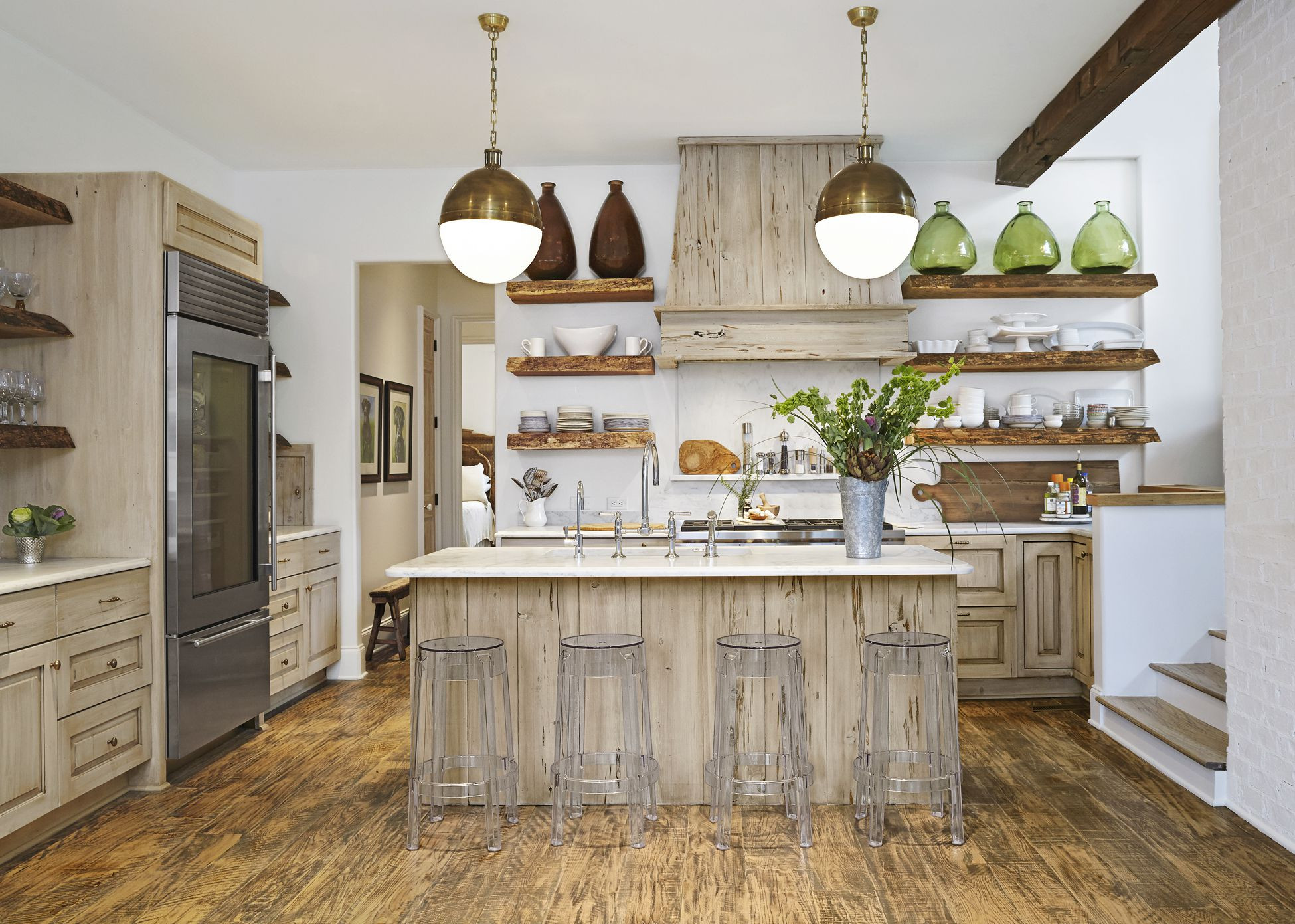 hardwood floor kitchen cabinet combinations of 8 gorgeous kitchen trends that will be huge in 2018 for 1483474851 kitchen reinvention reclaimed wood 0117