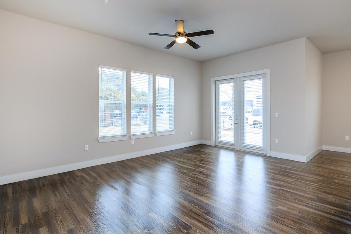 Hardwood Floor Refinishing Austin Tx Of Lenox Boardwalk Availability Floor Plans Pricing Throughout 9 12ft High Ceilings