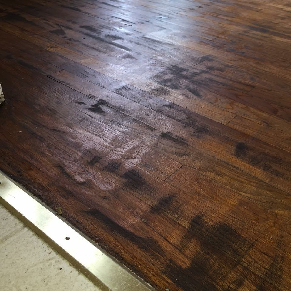 hardwood floor refinishing chicago western suburbs of flooring horror stories plus hardwood flooring pertaining to we want our customers so happy with their floors that theyre raving about them to their friends we recently stumbled upon a case of a floor man cutting