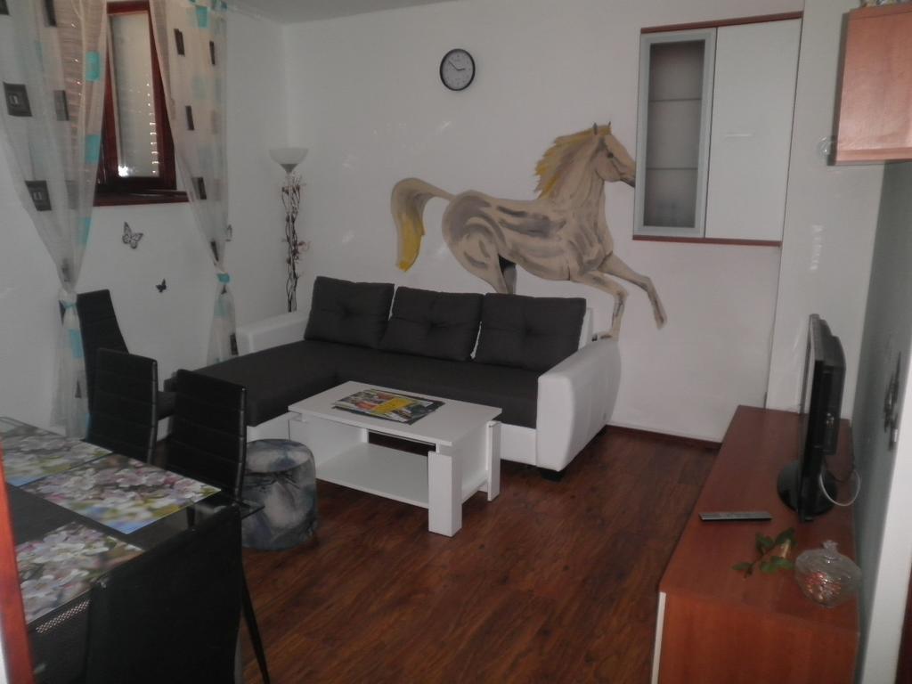24 Spectacular Hardwood Floor Sanding Equipment Rental 2021 free download hardwood floor sanding equipment rental of babic apartment pula croatia booking com for 24 photos