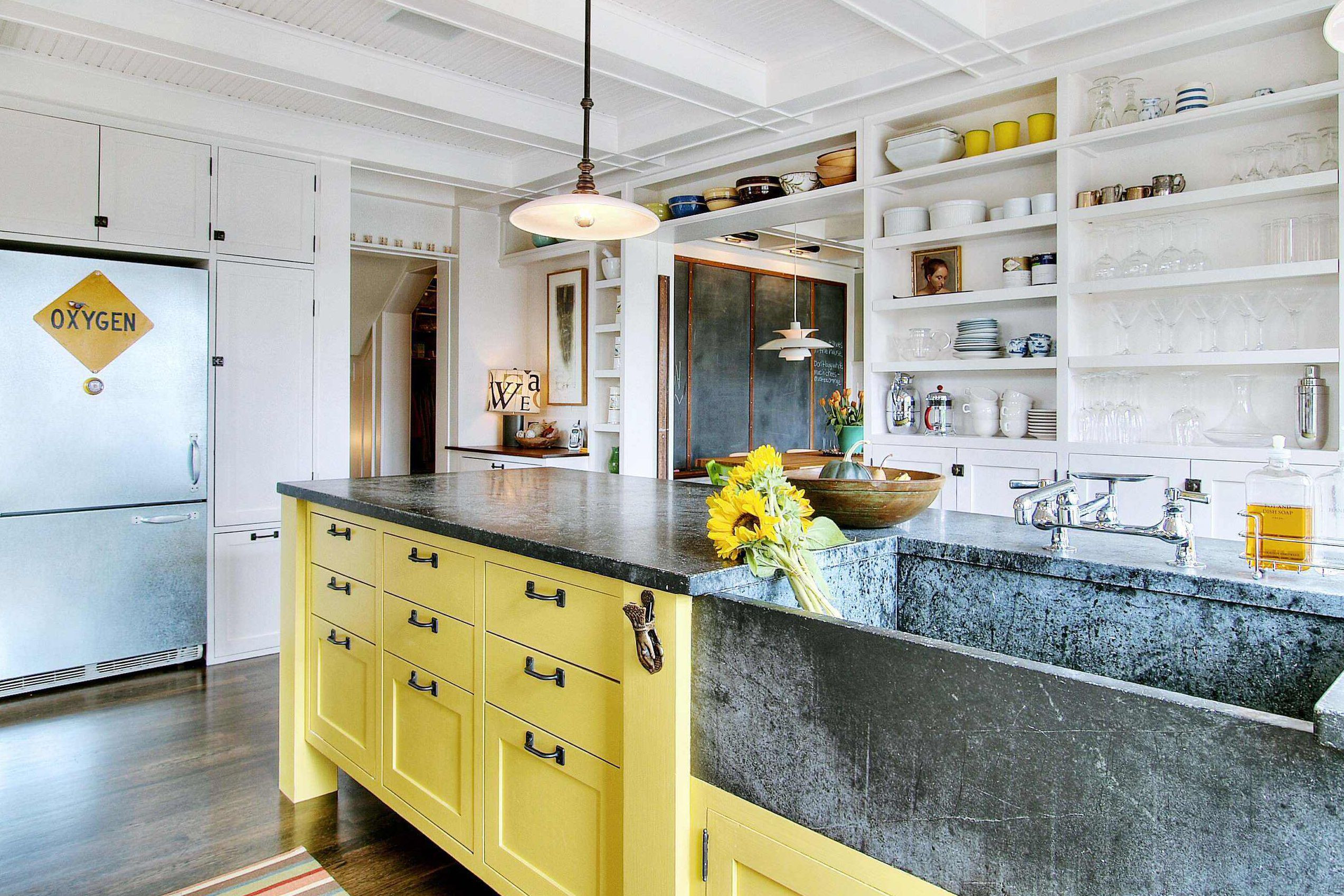 hardwood floor trends 2019 of best kitchen design trends to try in 2018 with regard to fin stone sinks decor trends 2018 5a1345fd47c266003779364e