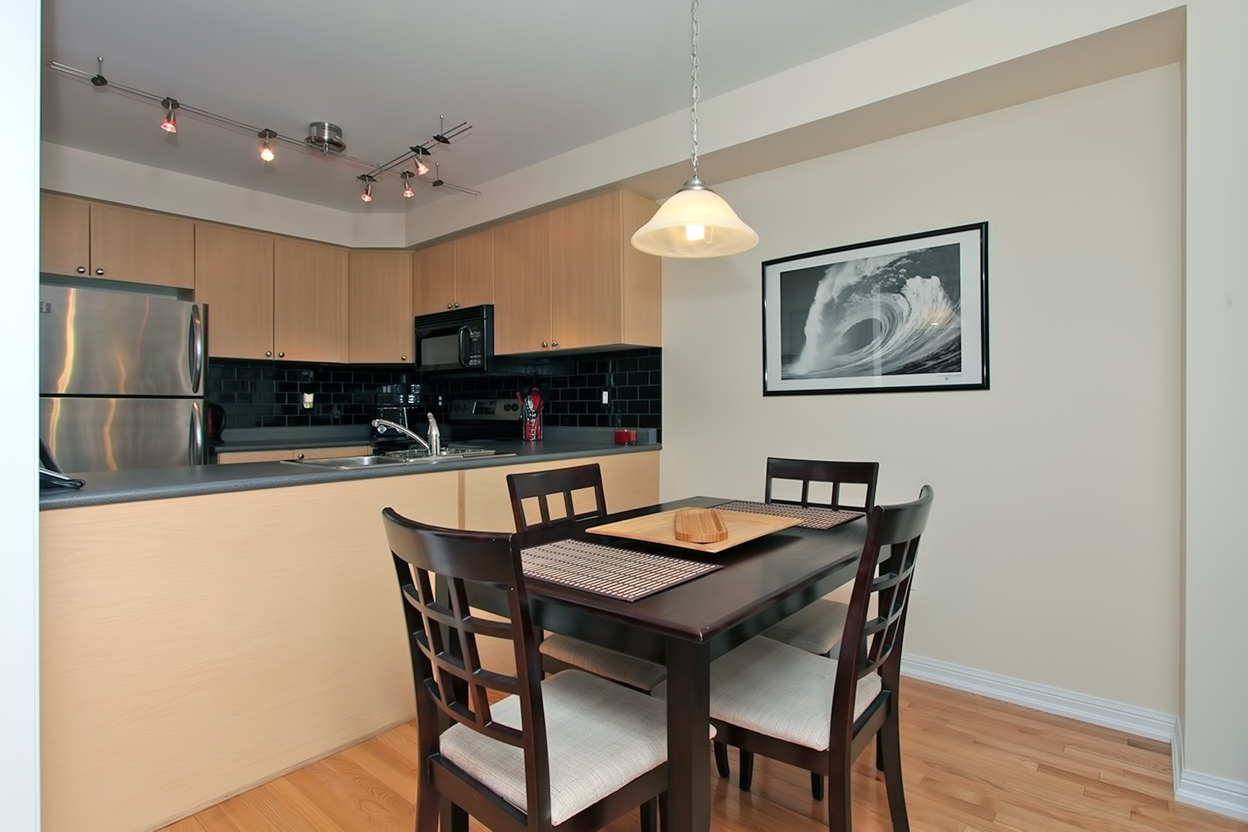 hardwood flooring durham region ontario of virtual tour of 18 barkdale way whitby on for carole mcintyre for 12 22 dining room