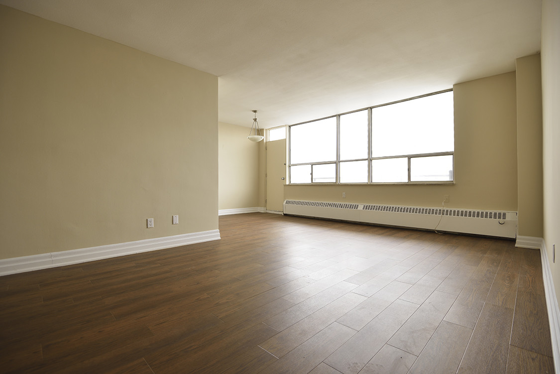 hardwood flooring mississauga dundas of apartments for rent toronto davisville village apartments within torontoapartmentsforrent,33davisvilleavenue