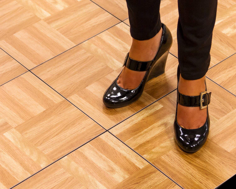 hardwood flooring sales jobs of snapfloors 3x3oakfloor modular dance floor kit 3 x 3 oak 21 throughout snapfloors 3x3oakfloor modular dance floor kit 3 x 3 oak 21 piece amazon com