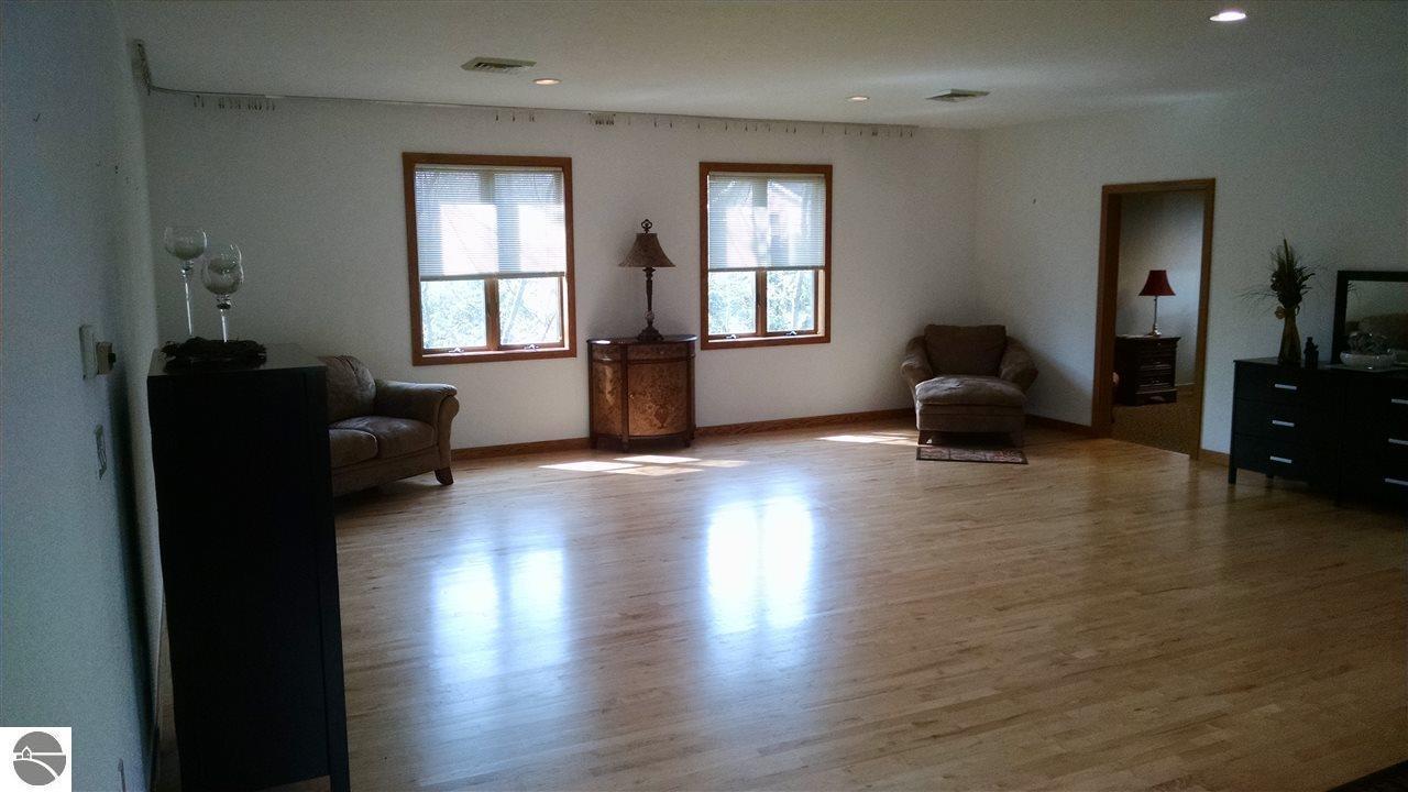 hardwood flooring traverse city mi of listing 934 s garfield avenue traverse city mi mls 1814776 throughout 4 12