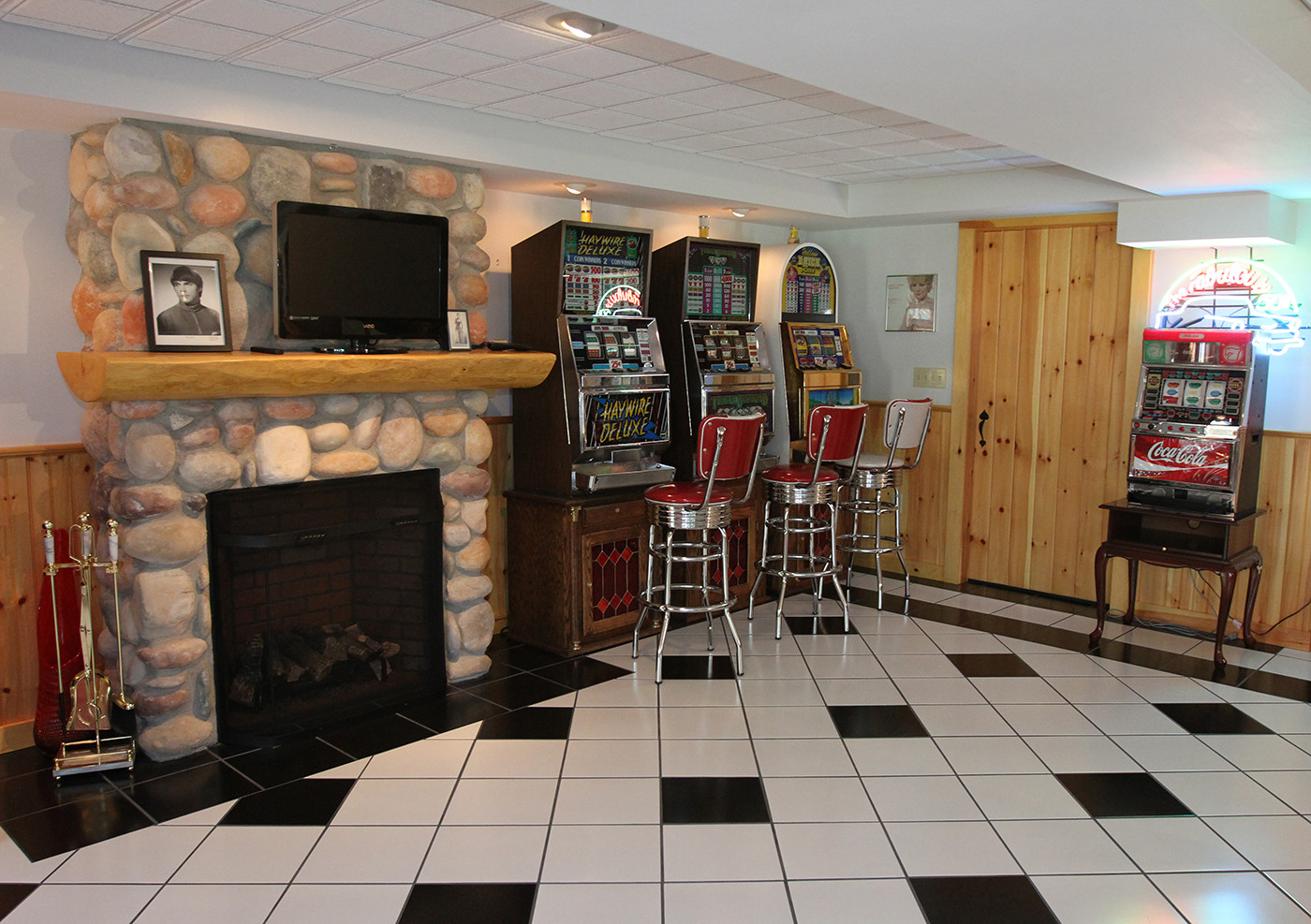 hardwood flooring vaughan of https www centralmaine com election day 2 2015 11 04t055016z throughout game room 3