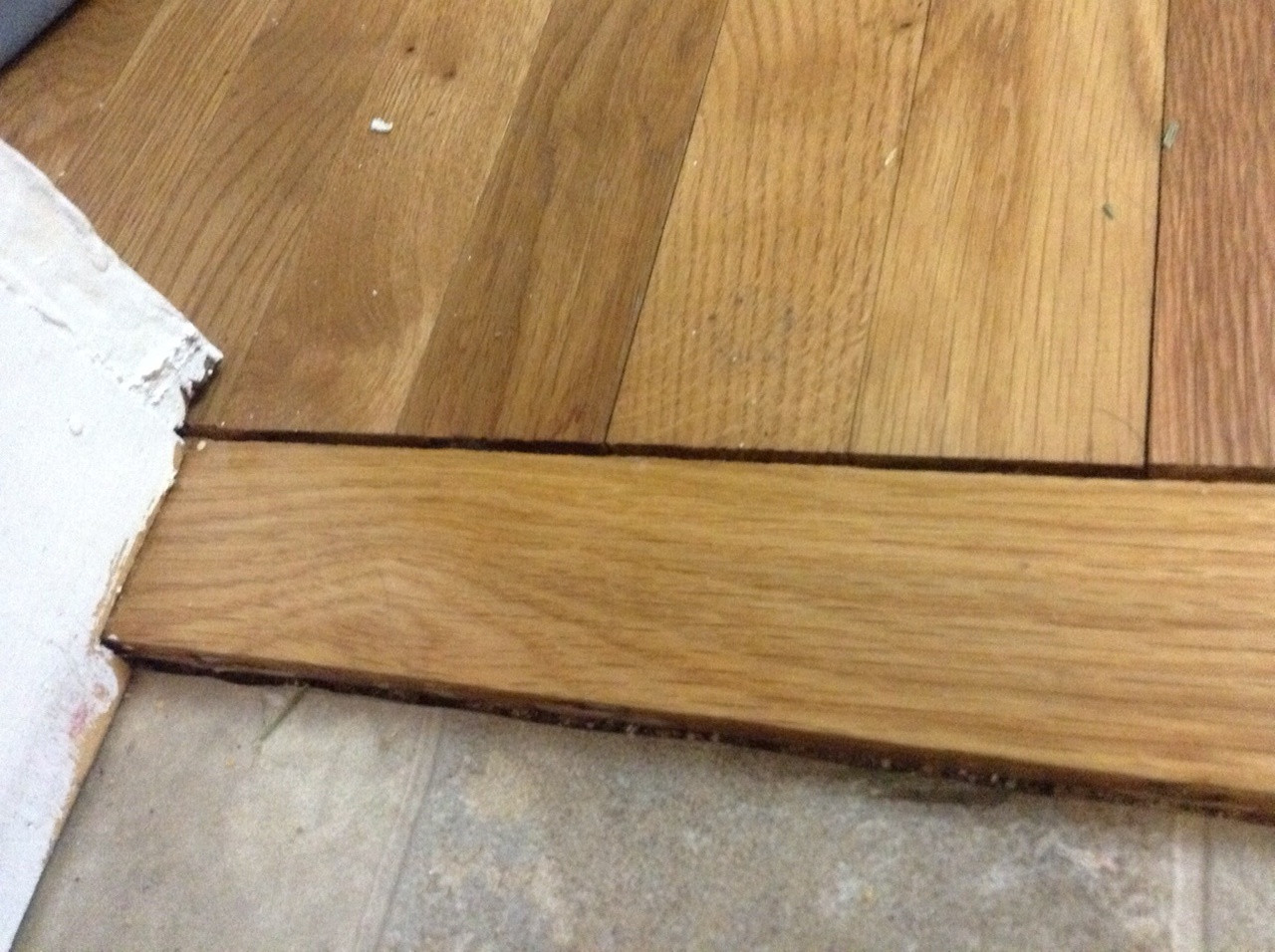 how to fix loose hardwood floor boards of wood floor techniques 101 for gap shrinkage cork