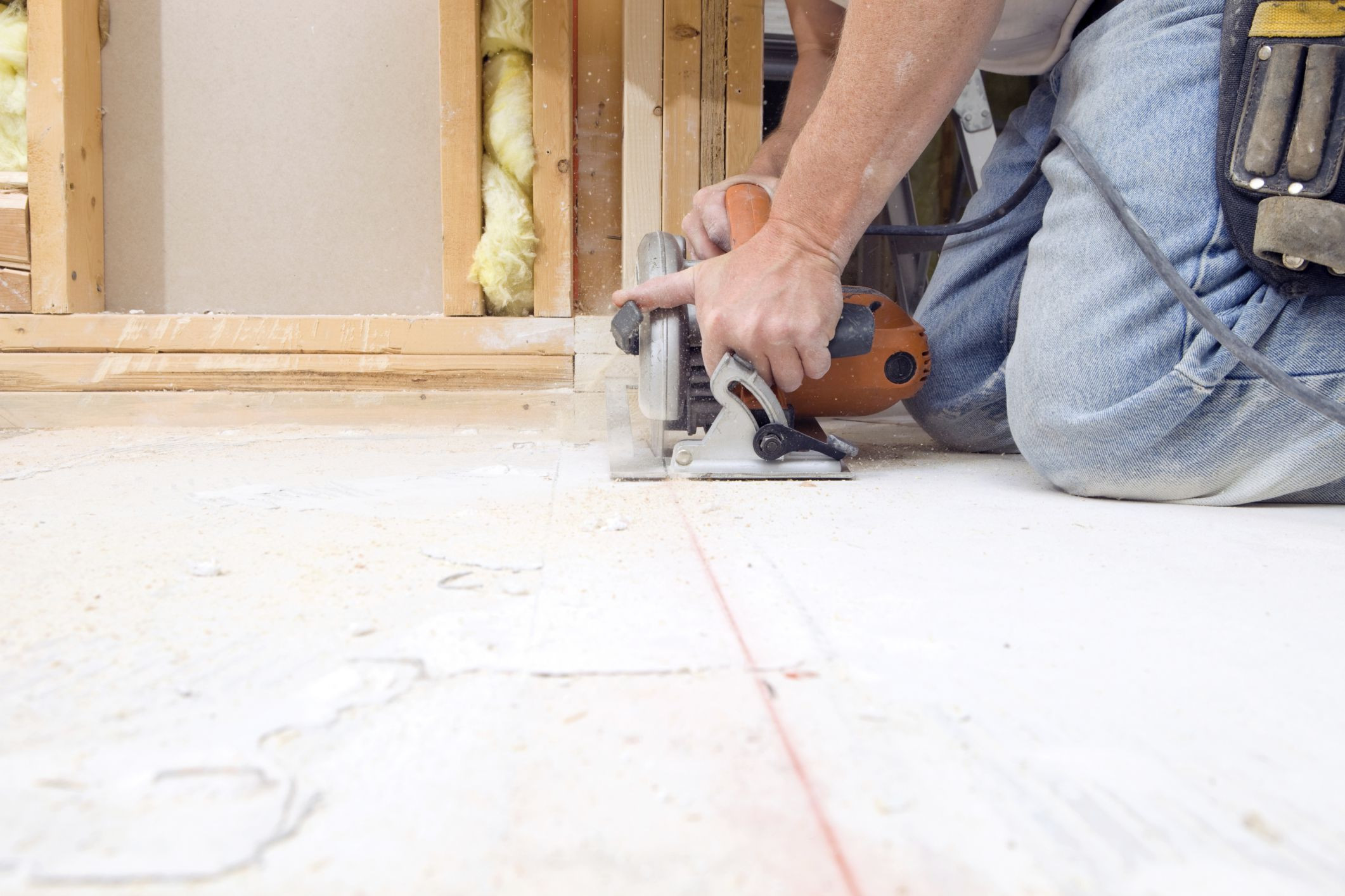 how to glue down hardwood floor to concrete of plywood or osb for flooring regarding cutting plywood subfloor with circular saw 185001220 56a4a04b5f9b58b7d0d7e37f