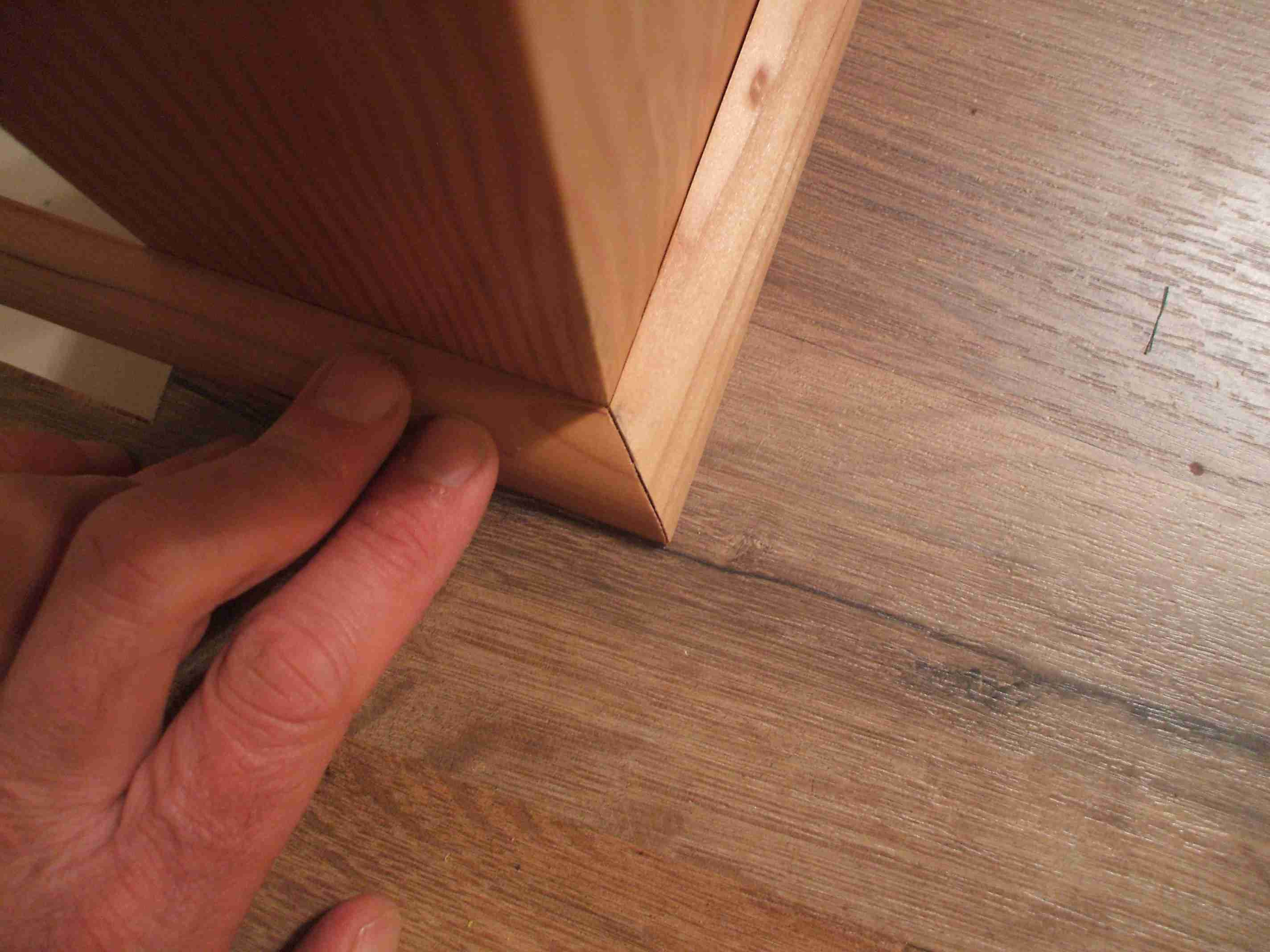 how to install hardwood floor bullnose of how to install shoe molding or quarter round molding within set second piece in place 56a49e533df78cf772834b43 jpg