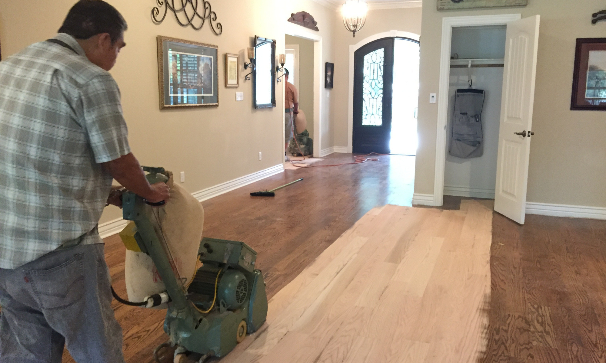 how to refinish hardwood floors easy of refinishing hardwood flooring company in when it comes to refinishing wood floors its not always as easy as you would think there is a lot of inconvenience disruption and smell in the home to