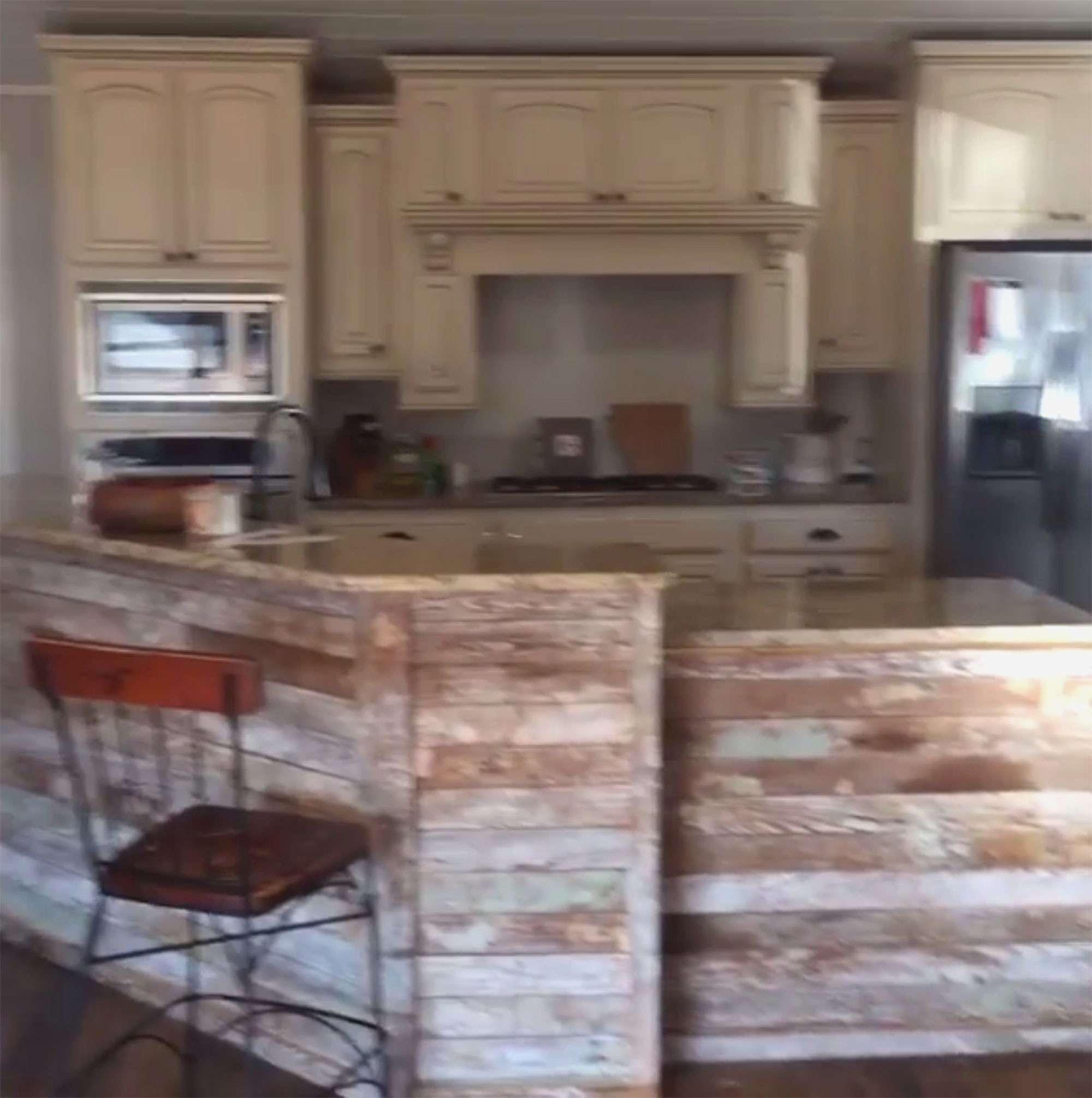Images Of Hardwood Floors Of Kitchen Hardwood Floors Vs Tile Best Of D21c9c917d F06d592a0f 300 In Kitchen Hardwood Floors Vs Tile Fresh Kitchens New Kitchen Kitchens Unlimited Kitchens Unlimited 0d
