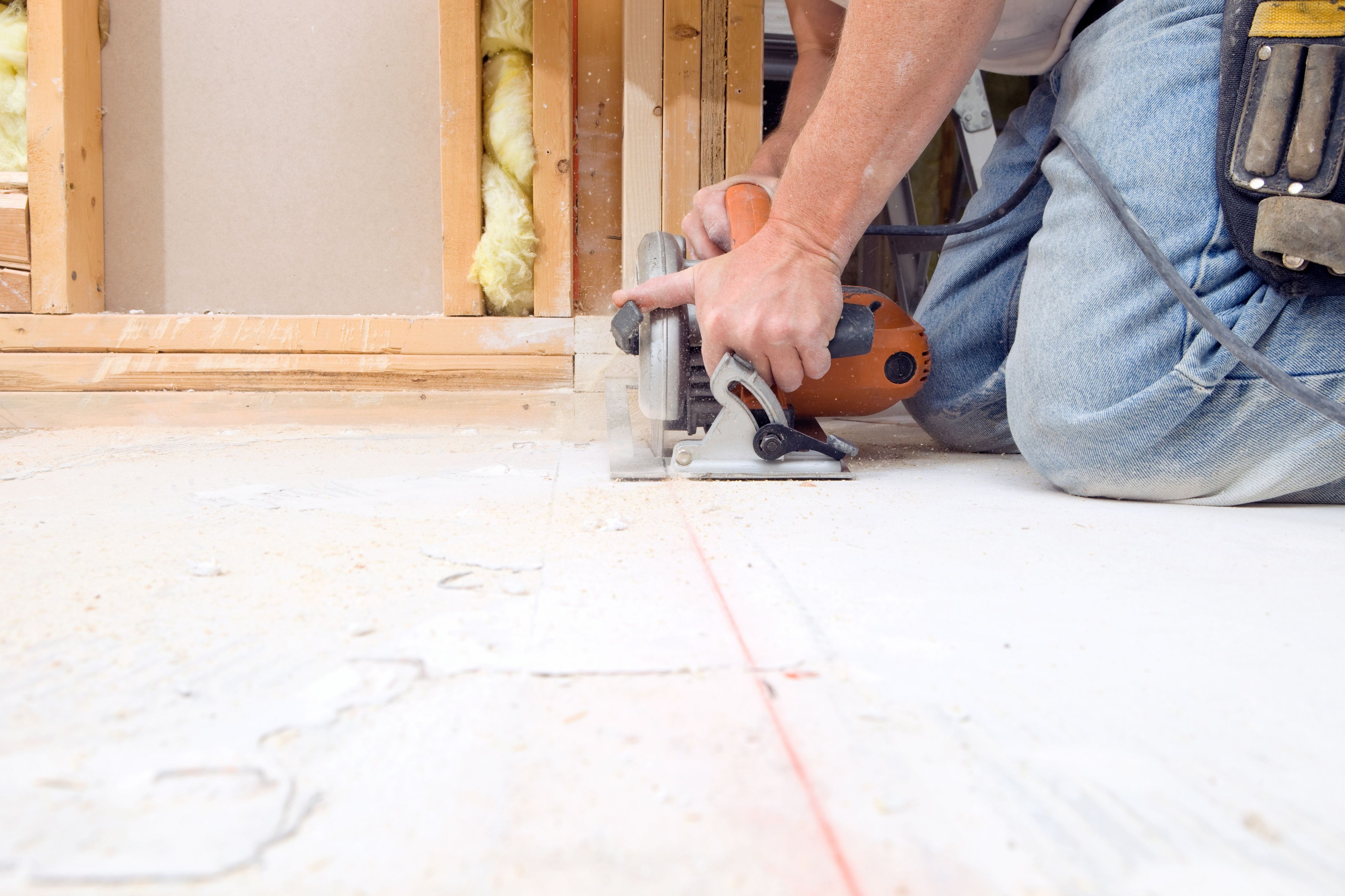 installing 3 4 hardwood flooring over concrete of subfloor underlayment joists guide to floor layers throughout circular saw cutting subfloor for house remodeling project 185001220 57f51afd3df78c690fcf20ce