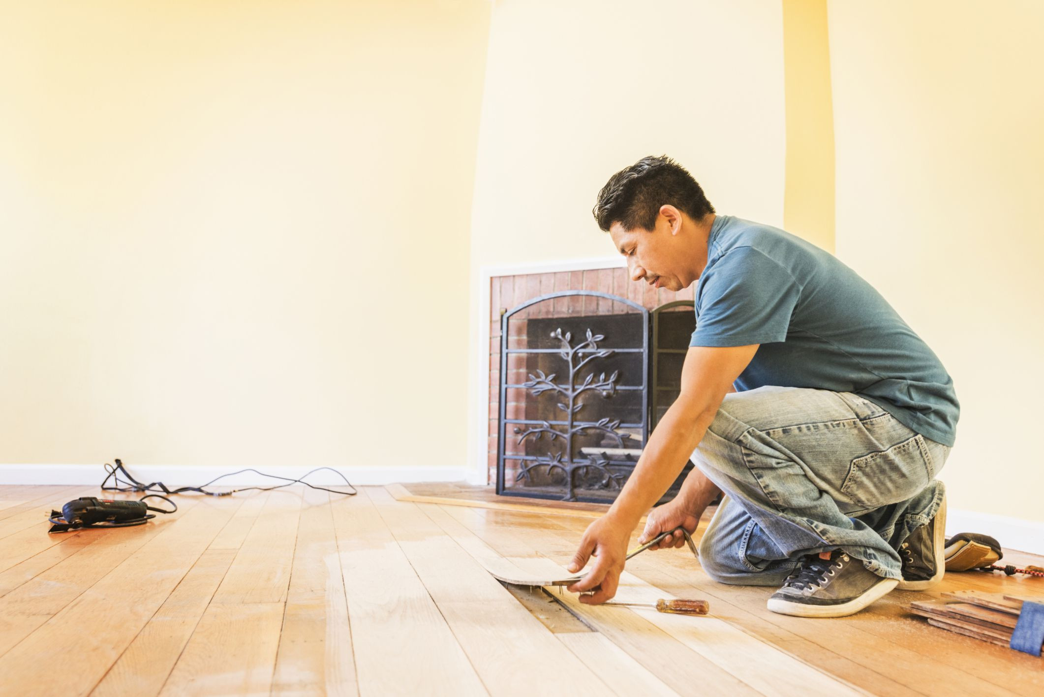 Installing Underlayment for Hardwood Floors Of solid Hardwood Flooring Costs for Professional Vs Diy Throughout Installwoodflooring 592016327 56684d6f3df78ce1610a598a