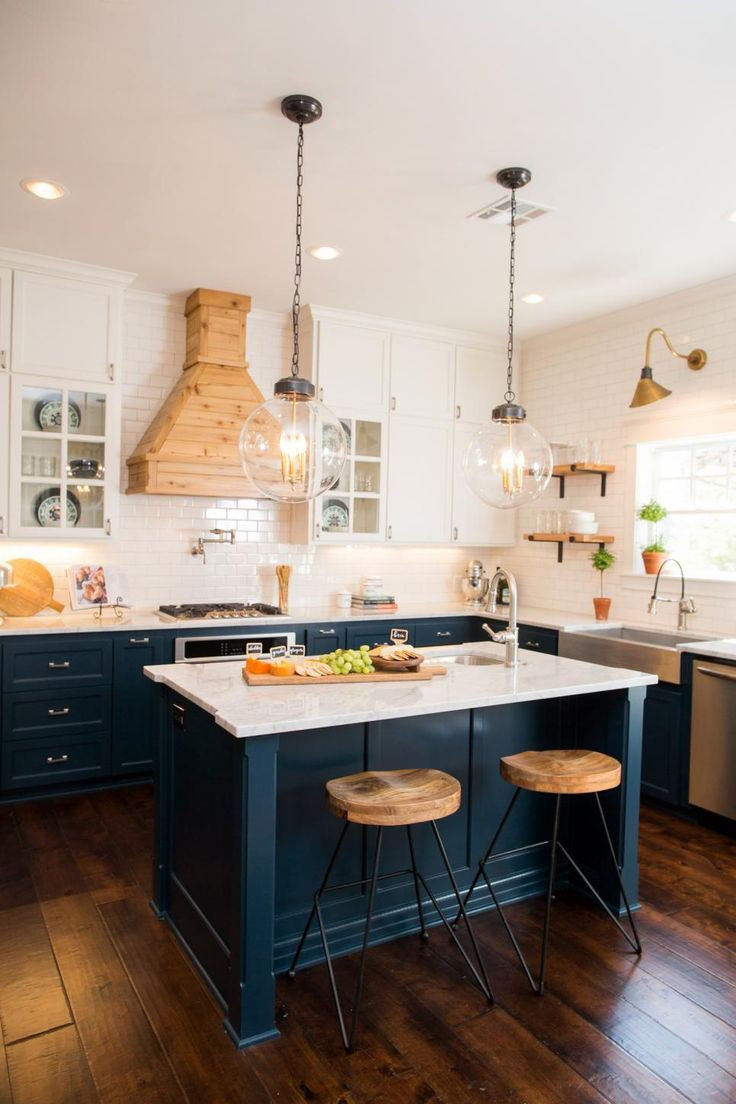 Joanna Gaines Hardwood Floor Colors Of 1905 Craftsman Fixer Upper for Two Fearless Newlyweds Joanna Regarding 1905 Craftsman Fixer Upper for Two Fearless Newlyweds