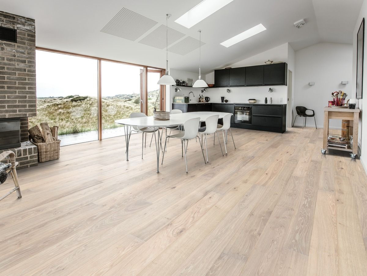 kahrs engineered hardwood flooring of kahrs oak nouveau blonde is a contemporary floor with a white stain inside kahrs oak nouveau blonde is a contemporary floor with a white stain and few knots it is wide plank and has a clear finish its a chemical free floor