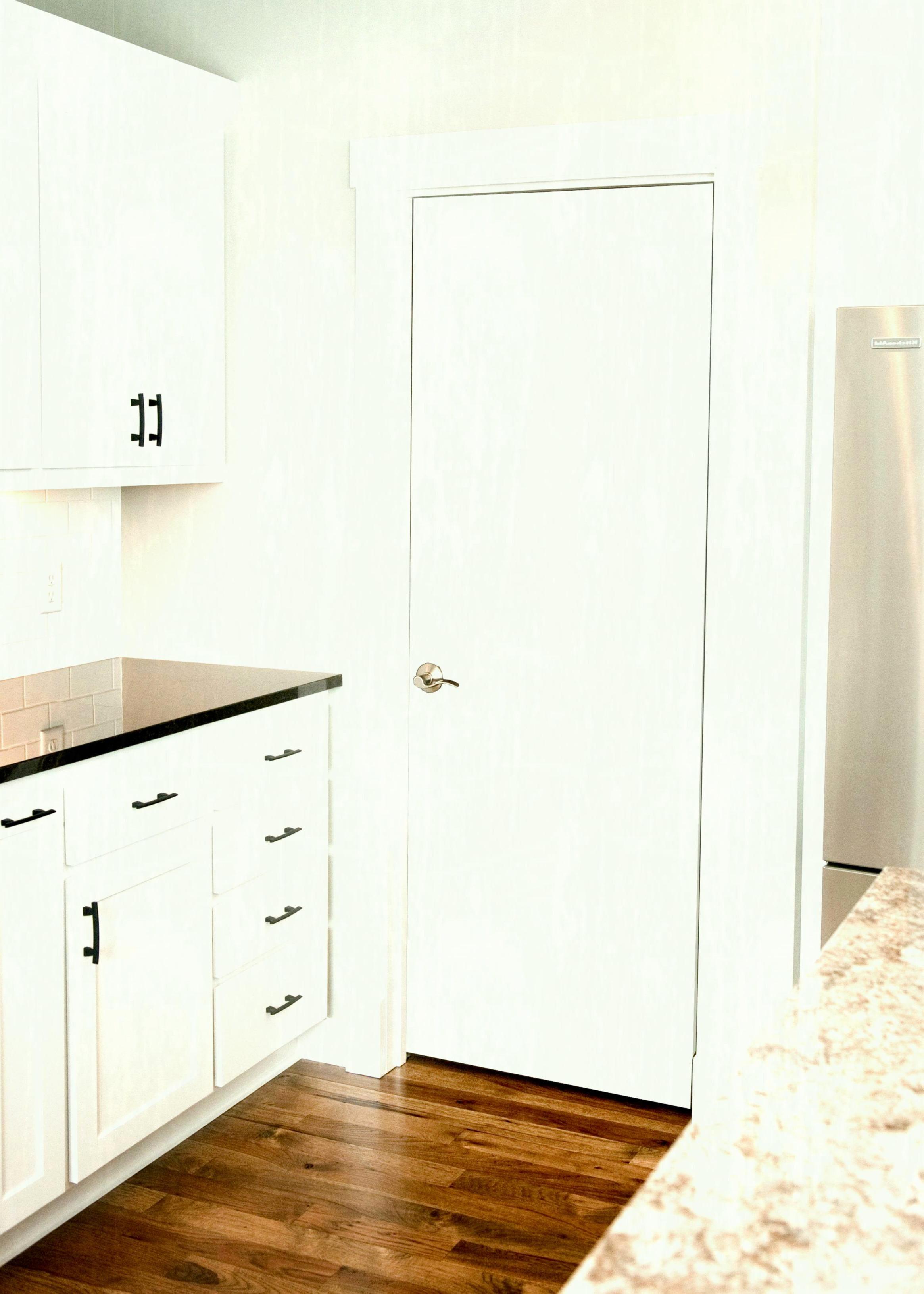 kitchens with hardwood floors and white cabinets of white kitchen cabinet doors luxury white modern kitchen cabinets intended for white kitchen cabinet doors luxury white modern kitchen cabinets elegant kuchya a family line od black