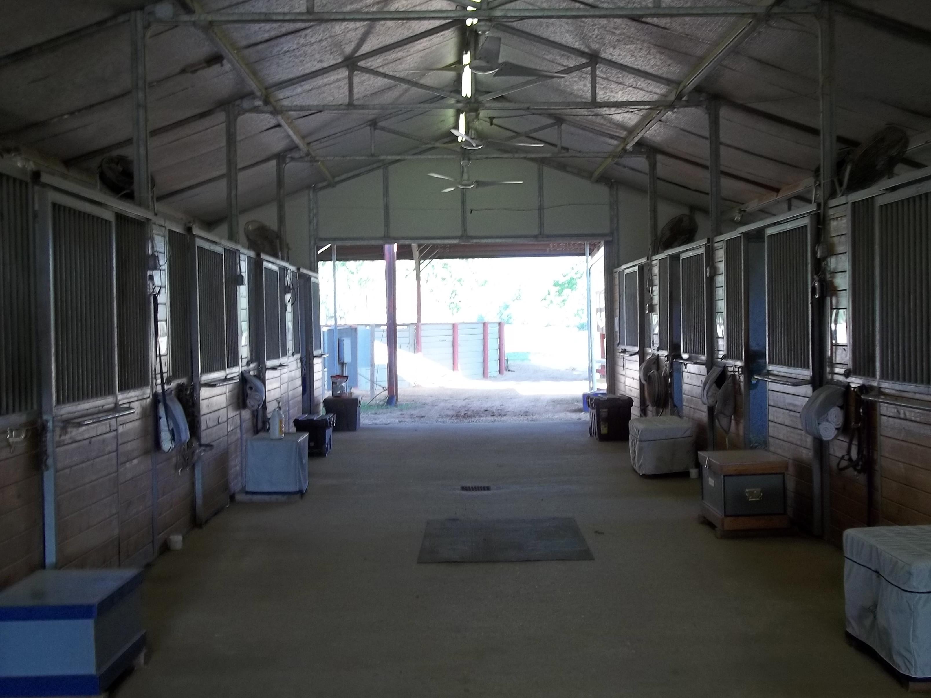 lanham hardwood flooring louisville ky of showbarn03 little bay farm within main barn