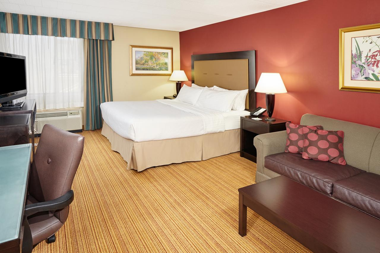 Lehigh Valley Hardwood Flooring Allentown Pa Of Holiday Inn Conference Center Fogelsville Pa Booking Com Throughout 89592715