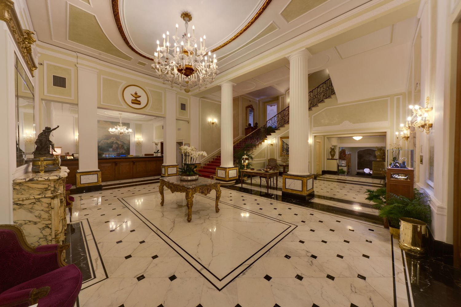 lw mountain hardwood floors inc of what defines a luxury hotel with lw2138 53130607 hall hotel ok colonne new 59df9b51685fbe00119b42f6