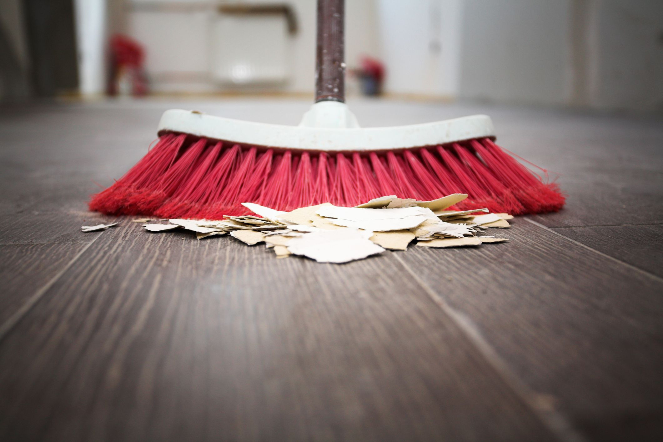 Mohawk Hardwood Laminate Floor Cleaner Of How to Sweep A Floor In Gettyimages 157383288 58c4e5465f9b58af5c20fab9