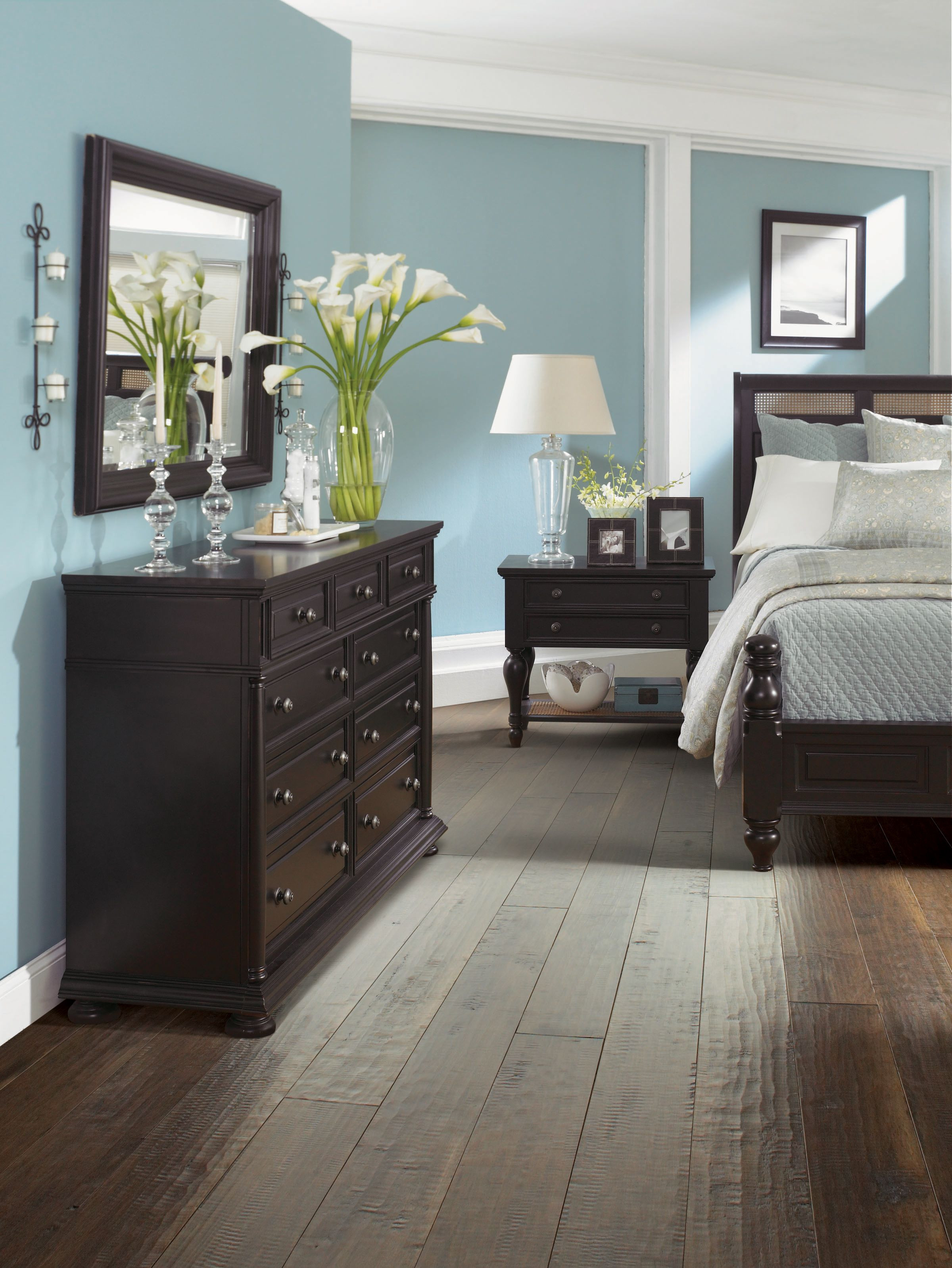most popular hardwood floor colors 2015 of 30 wood flooring ideas and trends for your stunning bedroom with regard to my challenge is the furniture bc the walls have to stay white so ii¸ guess the furniture all has to match