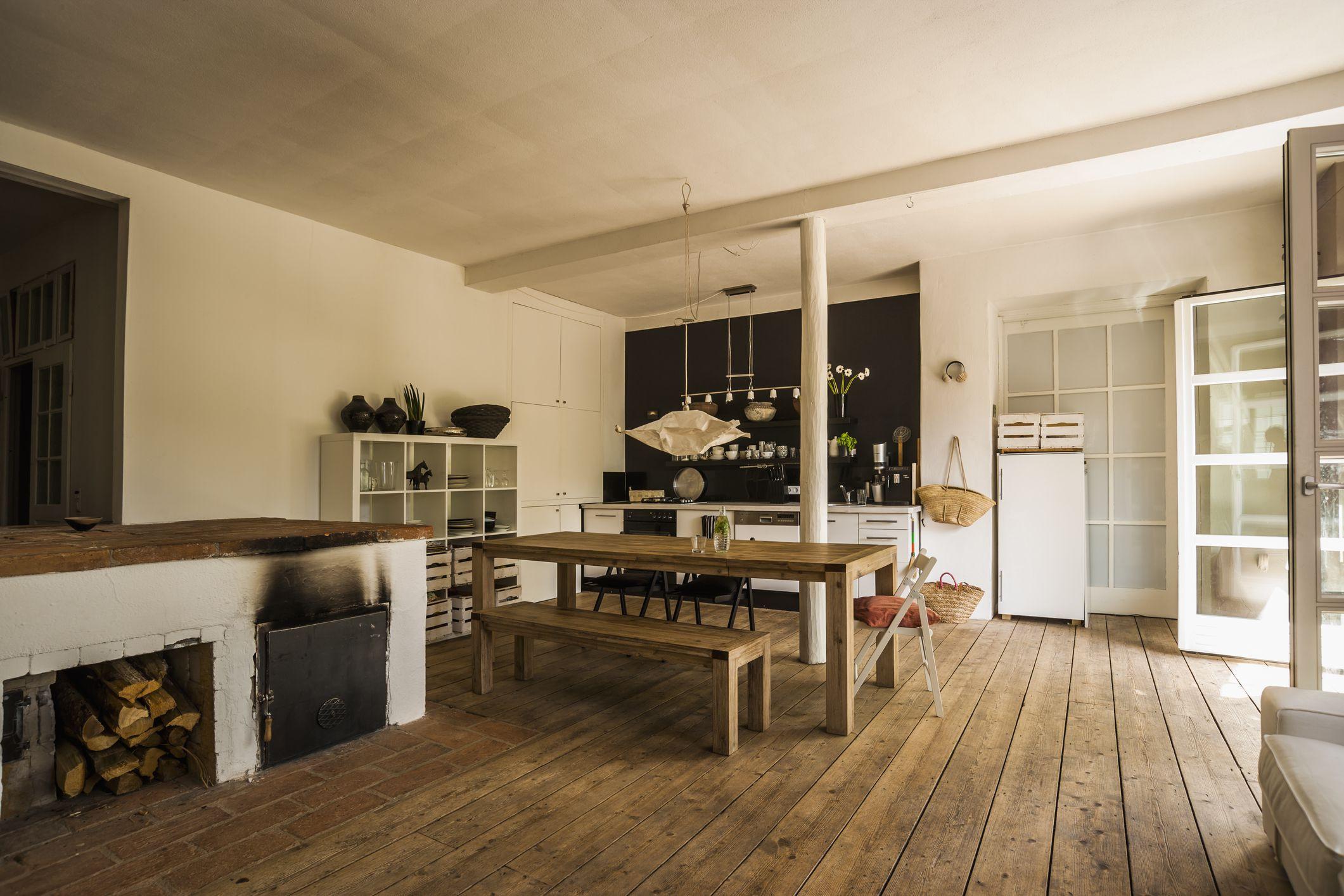 oak hardwood flooring types of vinyl wood flooring versus natural hardwood regarding diningroom woodenfloor gettyimages 544546775 590e57565f9b58647043440a