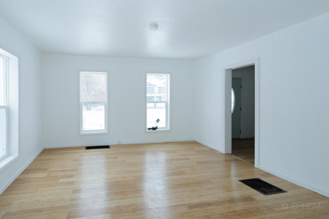 paw hardwood flooring kalamazoo mi of 310 elm street paw paw 49079 mls 18008689 jaqua realtors with 310 elm street paw paw mi 49079