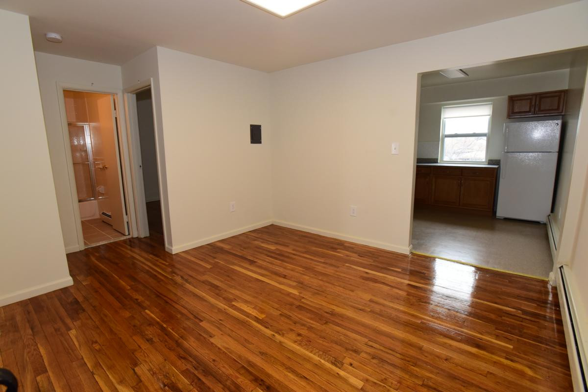 pc hardwood floors danbury ct of avenel nj apartments for rent woodbridge village avenel nj intended for woodbridge village dining room