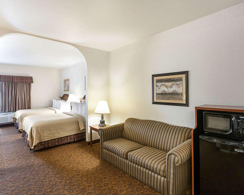 quality hardwood floors san marcos tx of quality suites san antonio tx see discounts inside suite quality suites san antonio
