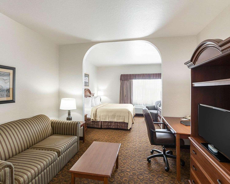 quality hardwood floors san marcos tx of quality suites san antonio tx see discounts throughout suite quality suites san antonio