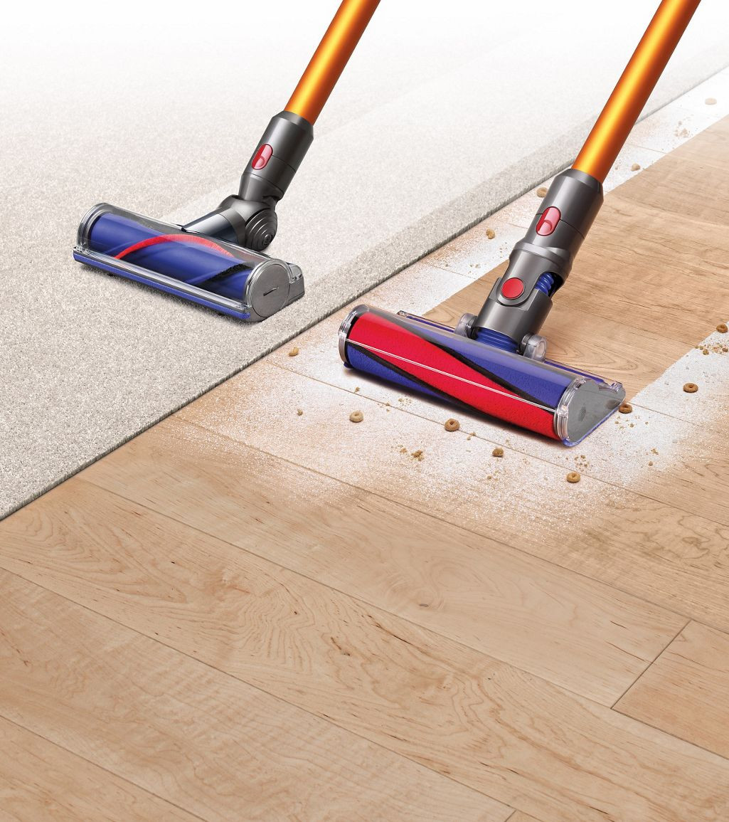 """vacuum with hardwood floor attachment of dyson v8a""""¢ dyson within dyson v8a""""¢ vacuums on carpet and hard flooring"""