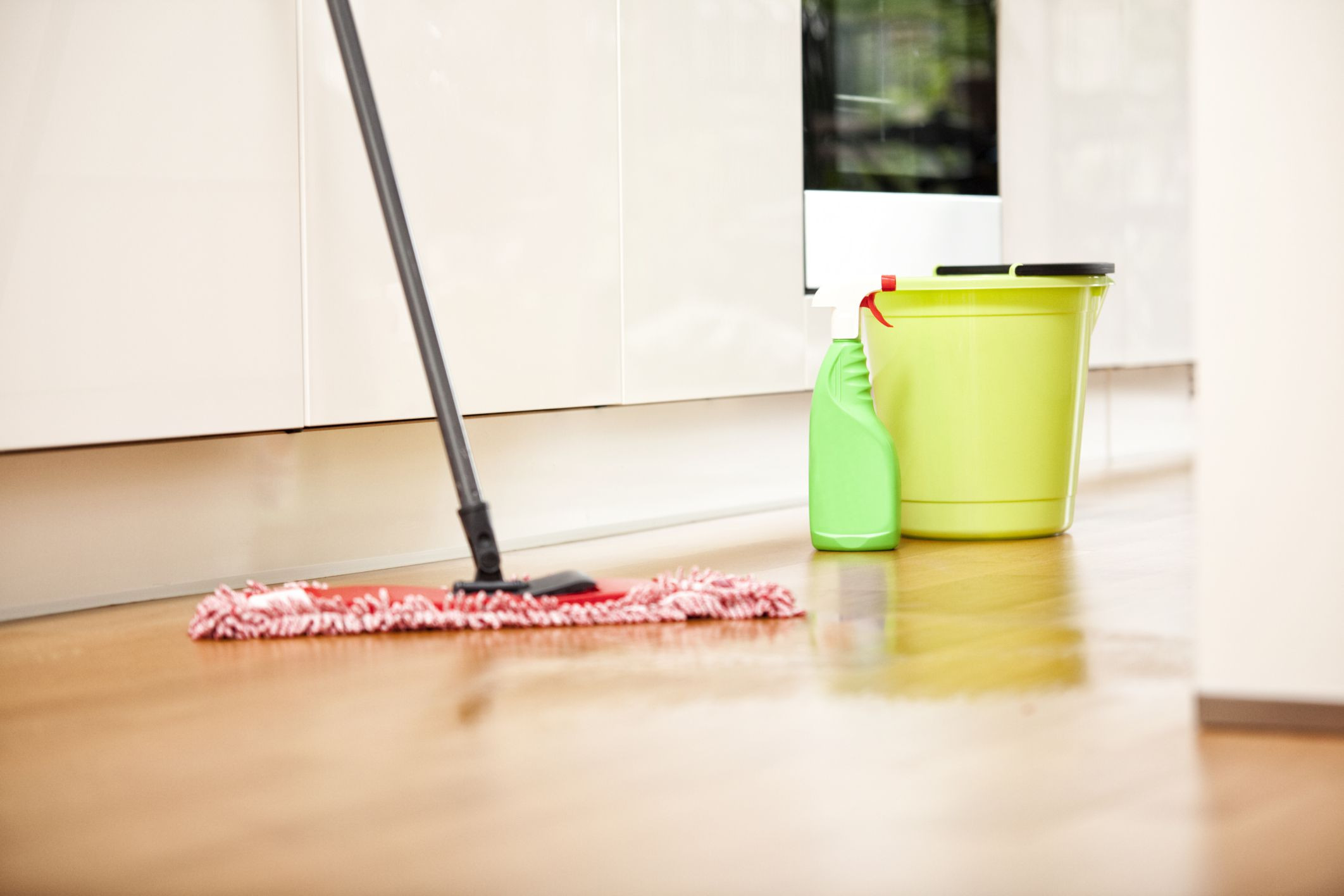 vim hardwood floor surface cleaner 1l of 17 cleaning uses for dish soap around the home in floor mopping mop and cleaning products
