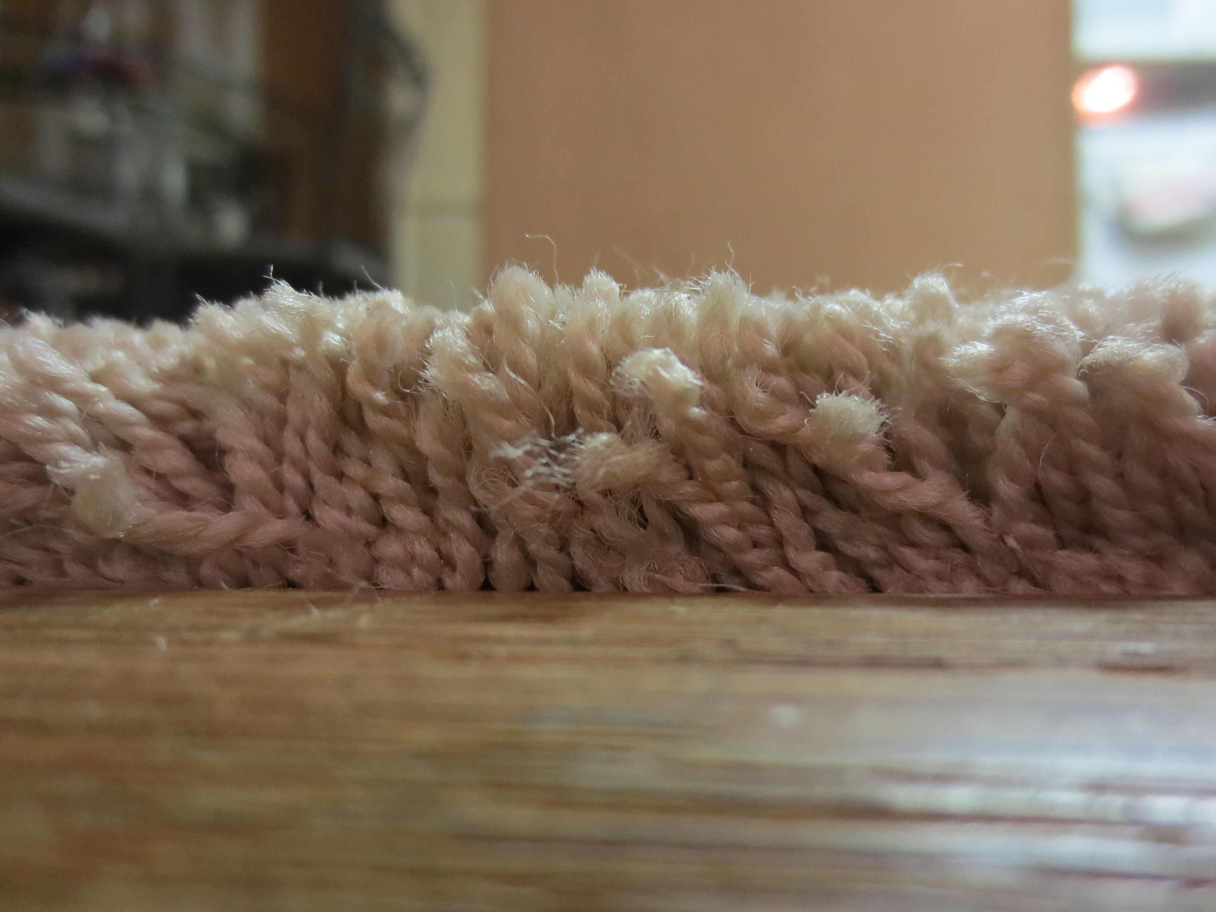 weeks hardwood flooring reviews of bulk continuous filament vs staple fiber carpeting pertaining to carpet fibers close up 1500 56a8126a3df78cf7729be046 jpg